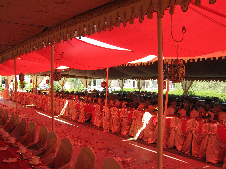 raj-tents-custom-creations-dinnersetting.jpg