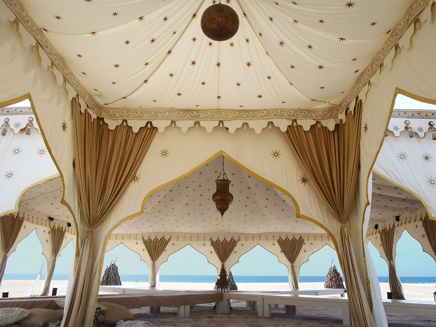 beach-chic-tents-for-beach-wedding.jpg