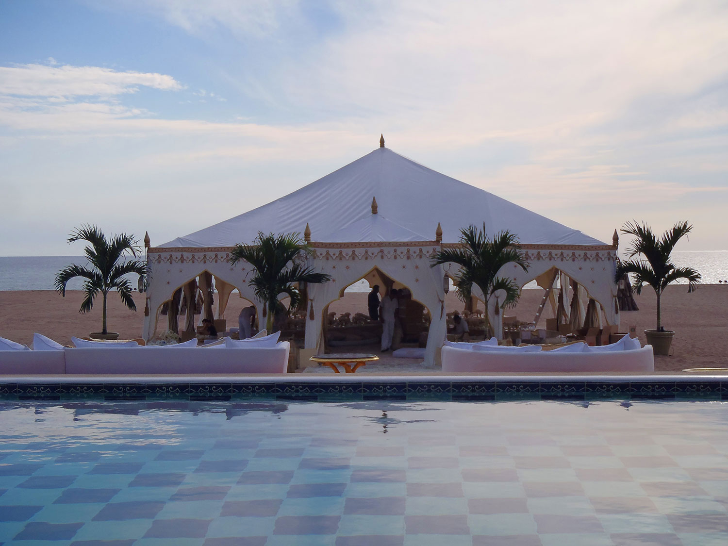 raj-tents-beach-chic-theme-raj-arches.jpg