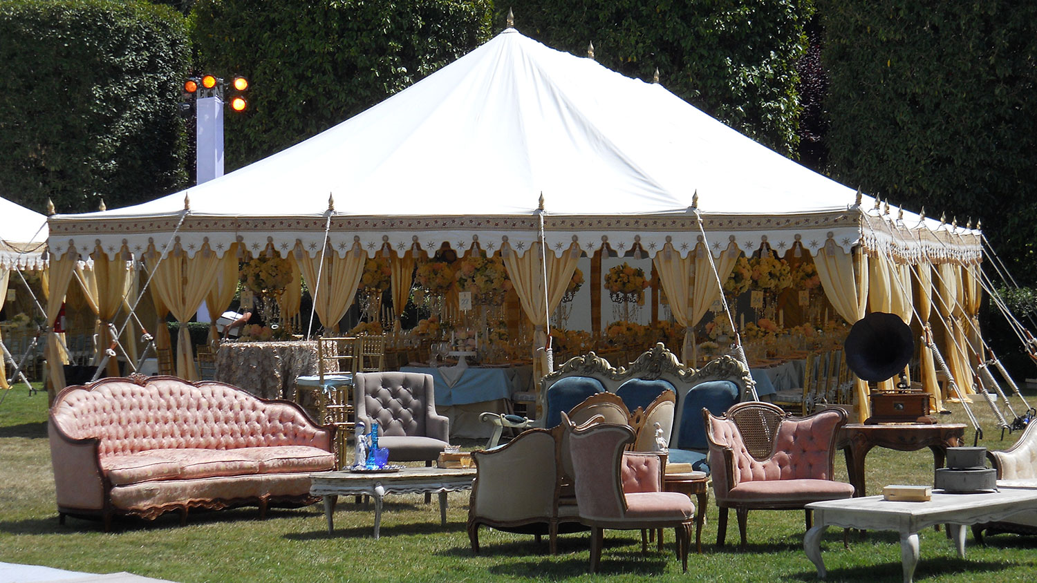 raj-tents-other-themes-louis-xv-exterior.jpg