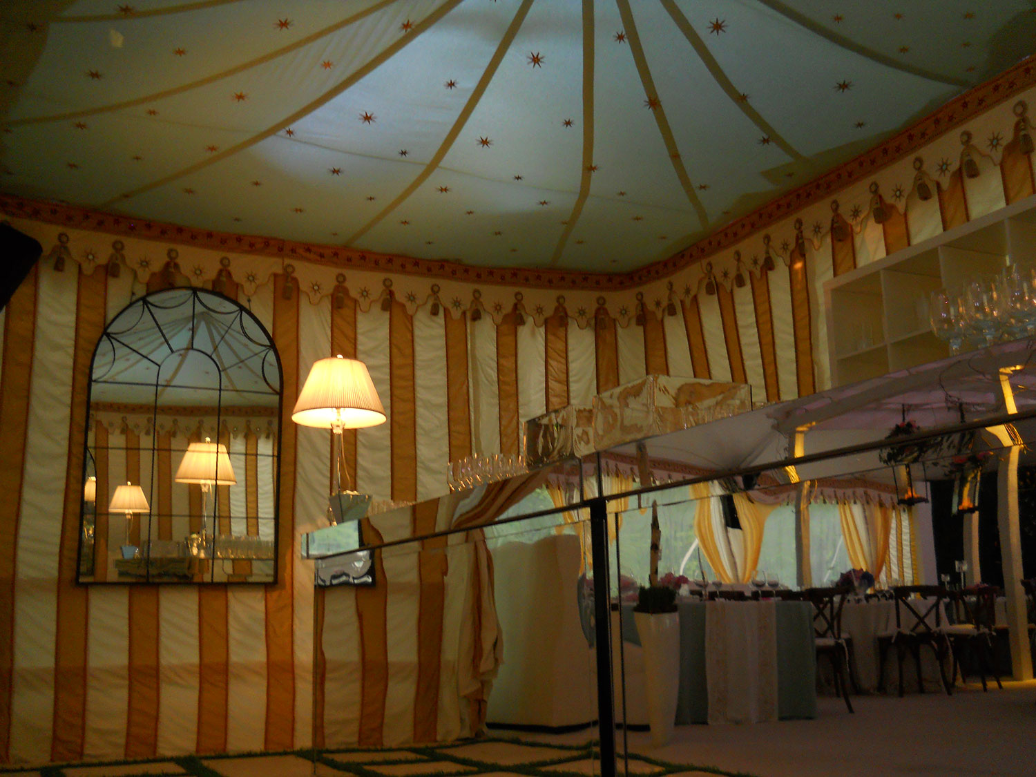 raj-tents-other-themes-old-hollywood.jpg