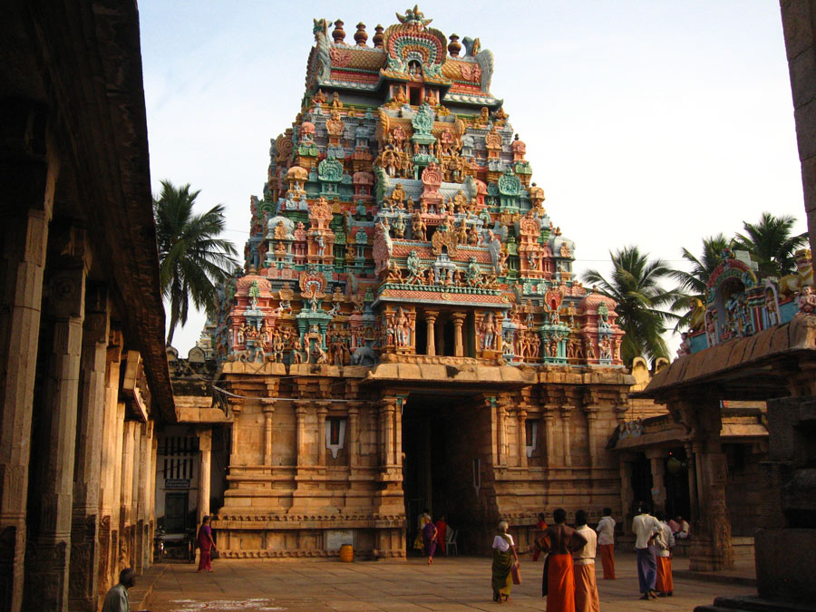 Inside Temple at Tiruchchirappalli.jpg