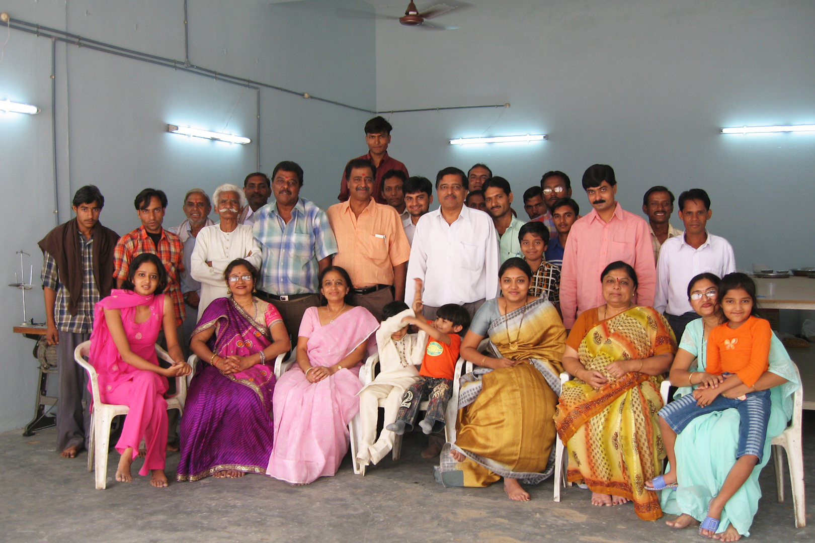 Large pic Raj Tents factory opening 2005 group photo.jpg