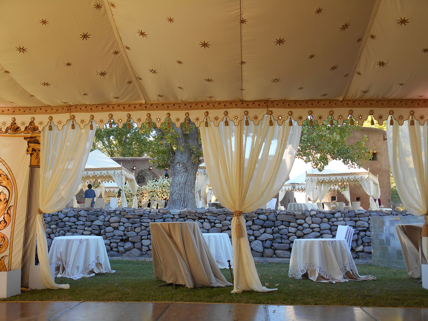 raj-tents-old-hollywood-theme-honeyglow-goldstar-tent.jpg