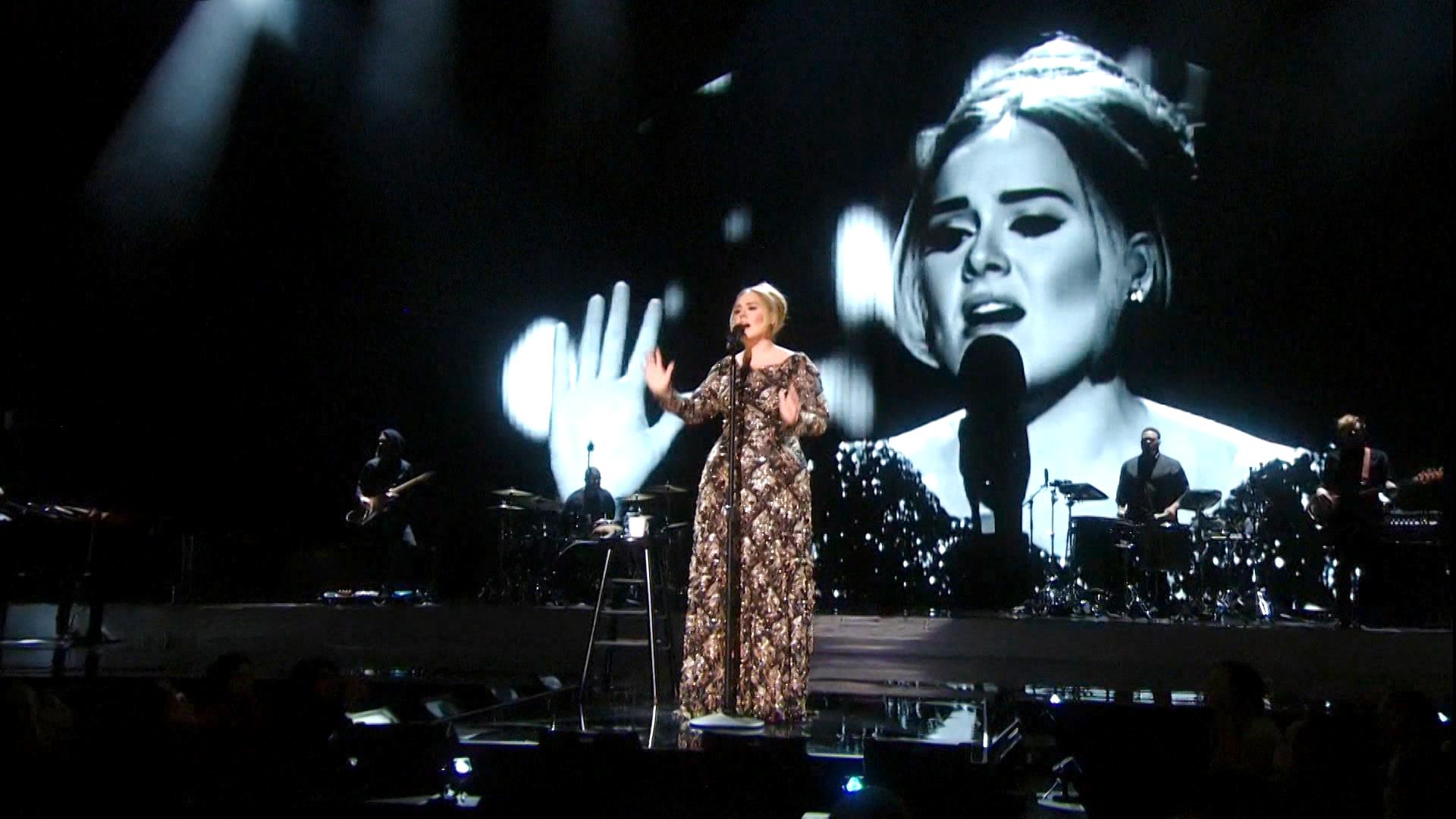 151210_2952285_Adele_Live_in_New_York_City.jpg
