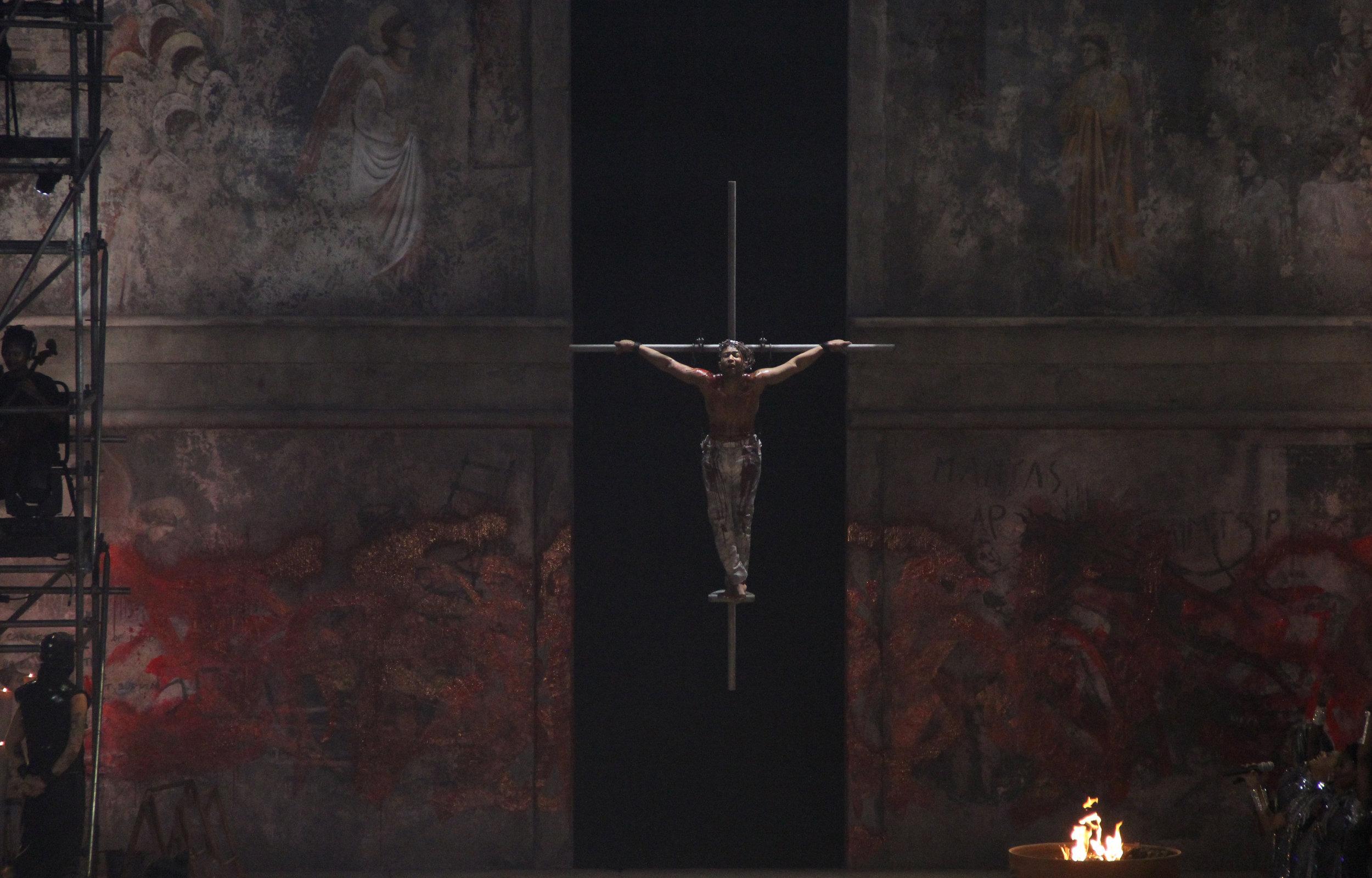 Jesus-Christ-Superstar-Act-10-Crucifixion-01.jpg
