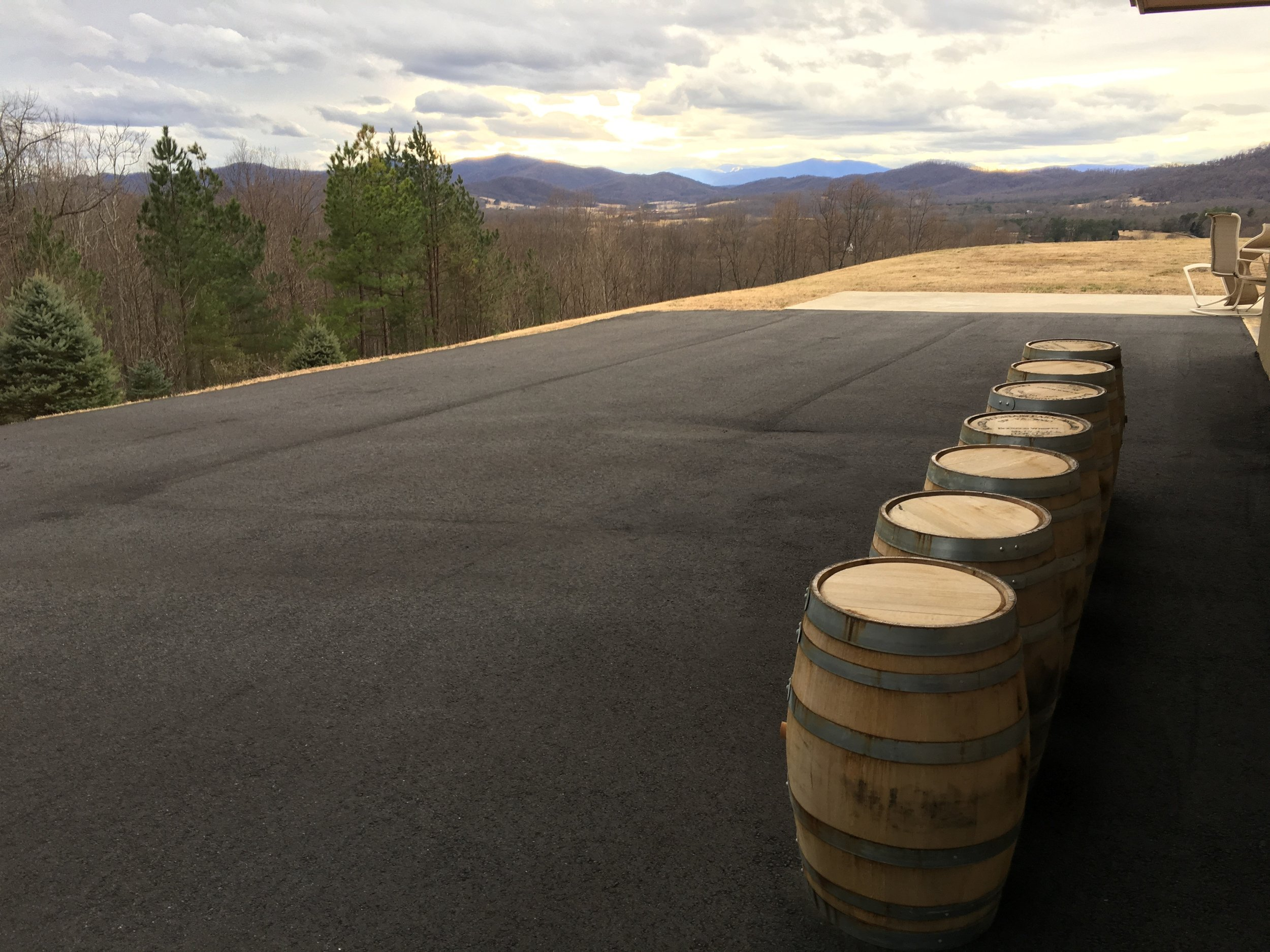 Parking at Monte Piccolo Distillery.jpg