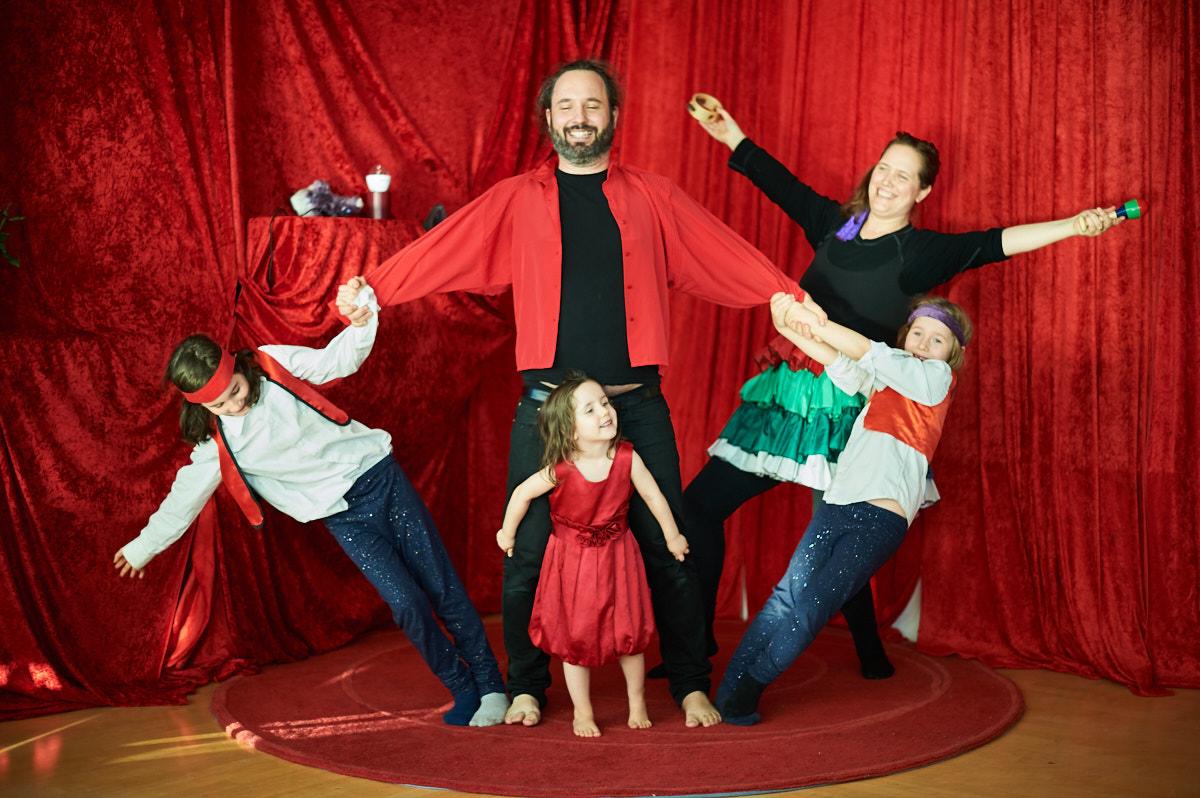 cirkusfamilj-lekdag-tillitsverket (kopia).jpg