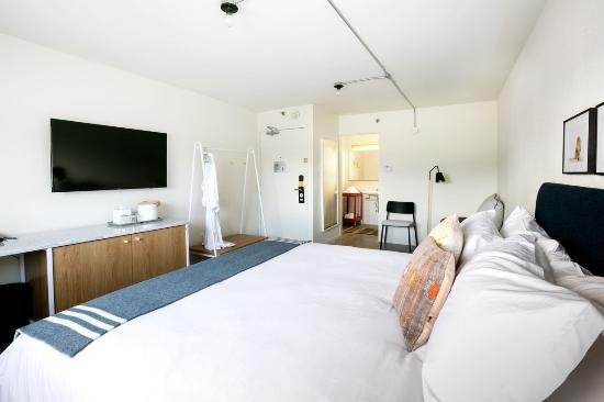 our-king-rooms-feature.jpg