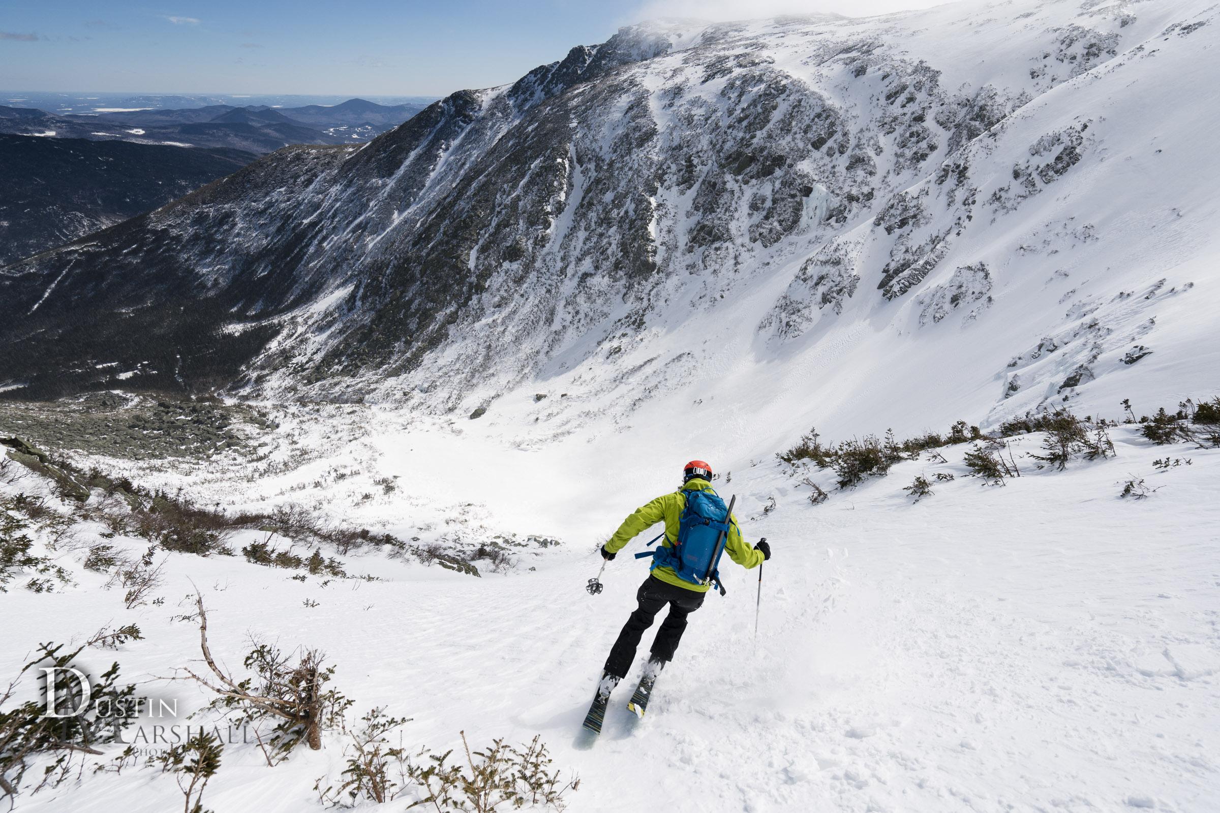 A jump turn at the top of sluice, Tuckerman Ravine