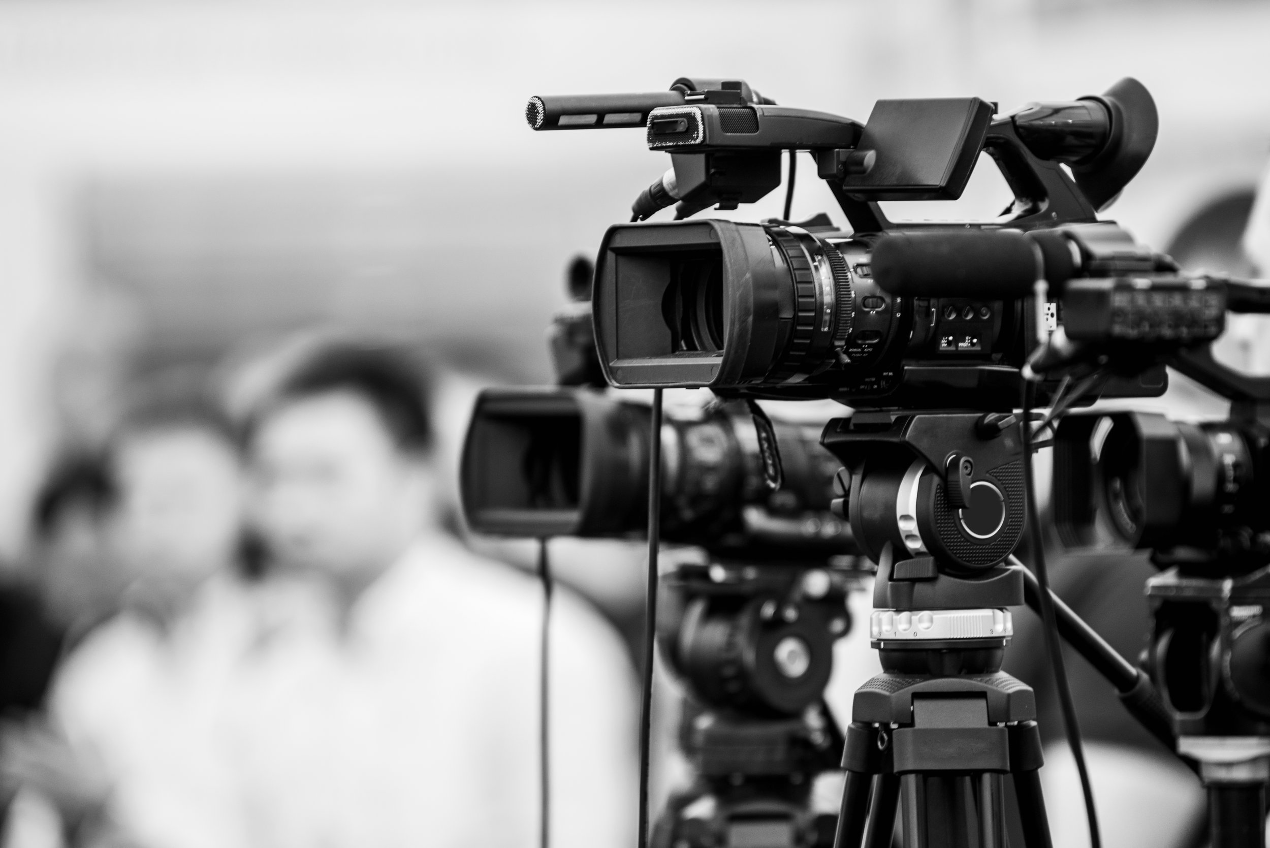 Få din film filmad av proffs - Om du postar din film innan 31 juli kan du vara med i vårt urval för att hitta filmidéer. Då filmar vi din film igen men med professionella filmarbetare och professionell utrustning.