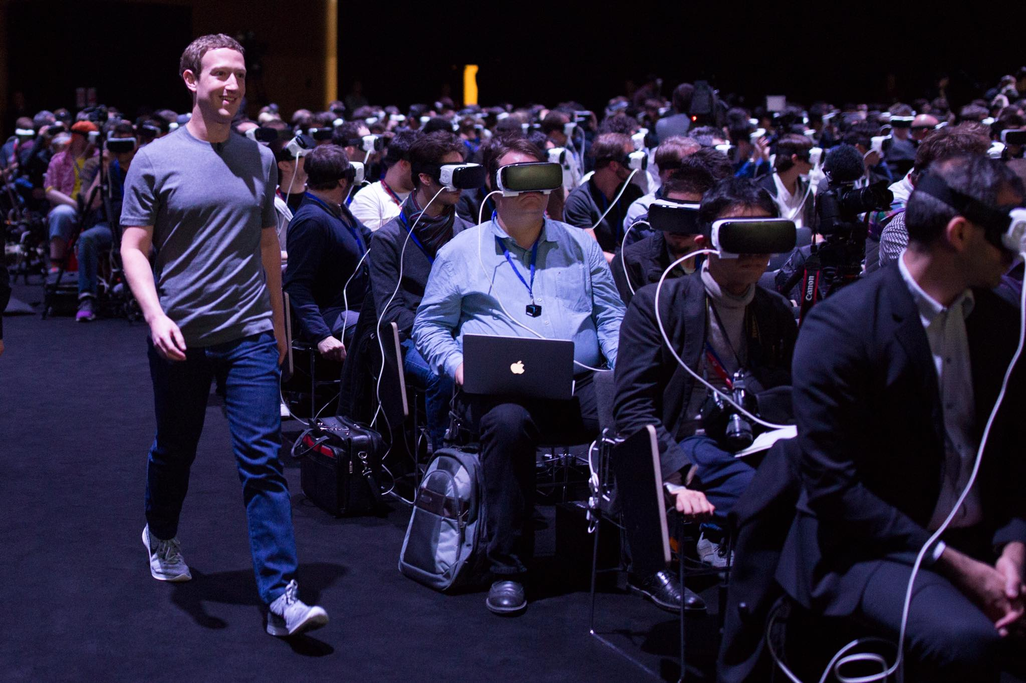 Mark Zuckerberg and his VR crowd in Barcelona MWC 2016.  Image by Facebook .