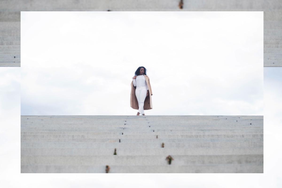 The_Glossier_Tasha_James_Style_Fashion_Blogger_Kim_Kardashian_Camel_Coat_White_Monochromatic_DC-19