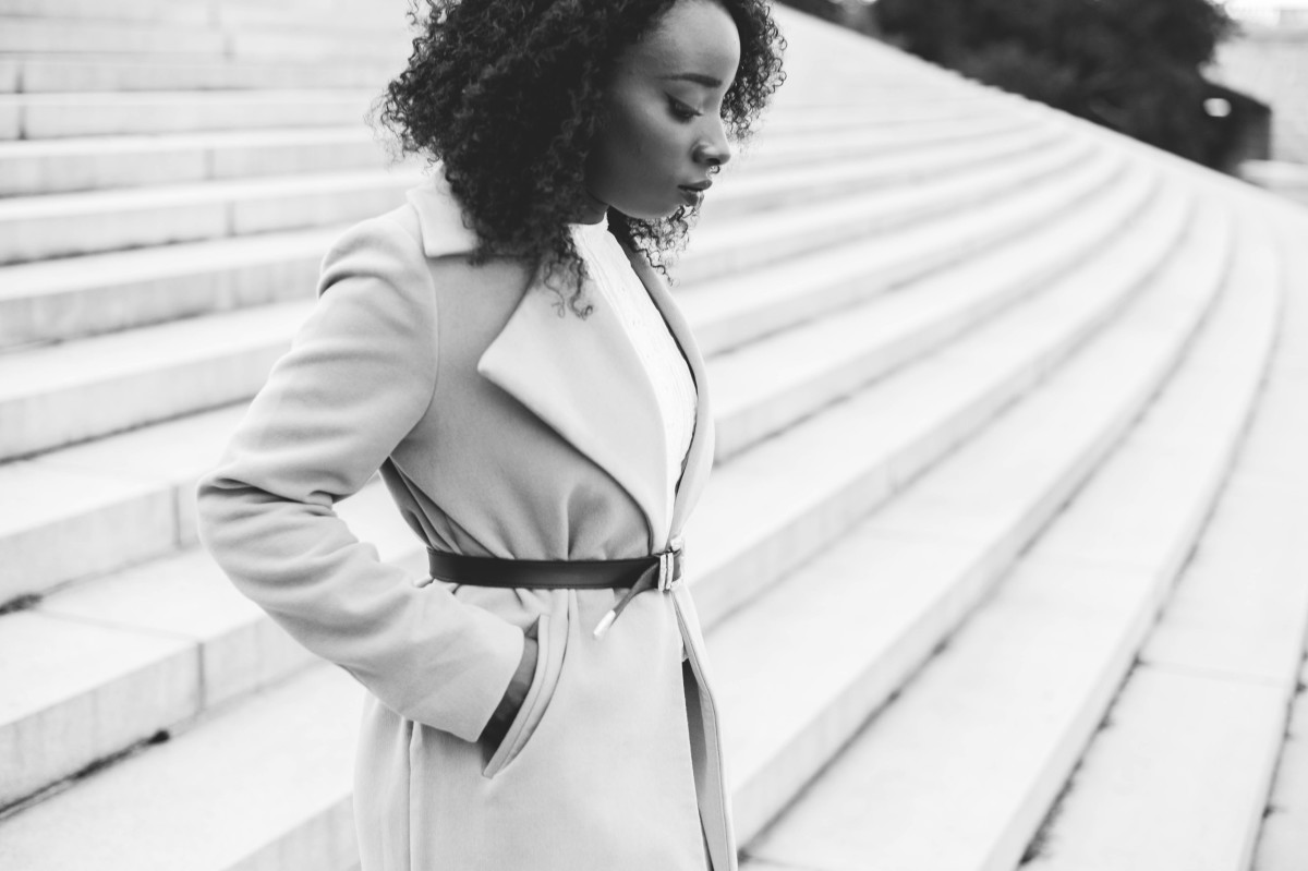 The_Glossier_Tasha_James_Style_Fashion_Blogger_Kim_Kardashian_Camel_Coat_White_Monochromatic_DC-5