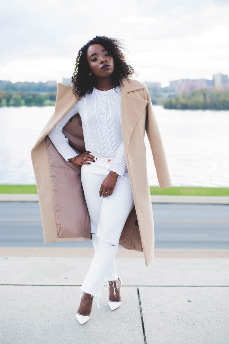 The_Glossier_Tasha_James_Style_Fashion_Blogger_Kim_Kardashian_Camel_Coat_White_Monochromatic_DC-20