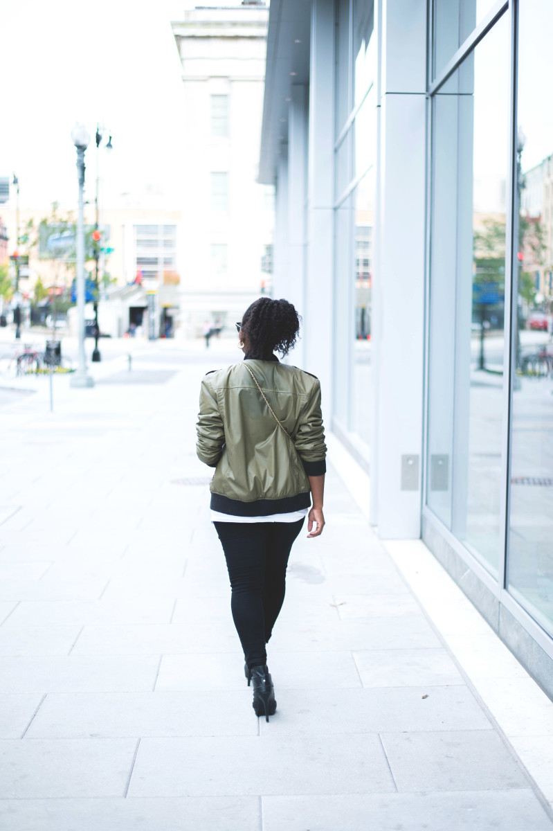 The-Glossier-Fashion-Blogger-Style-William-Rast-Target-Bomber-Jacket-Fall-2015-DC-6.jpg