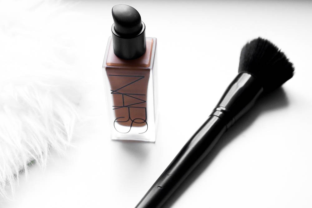 The-Glossier-NARS-All-Day-Luminous-Weightless-Foundation-Review-New-Orleans-Makeup- 005