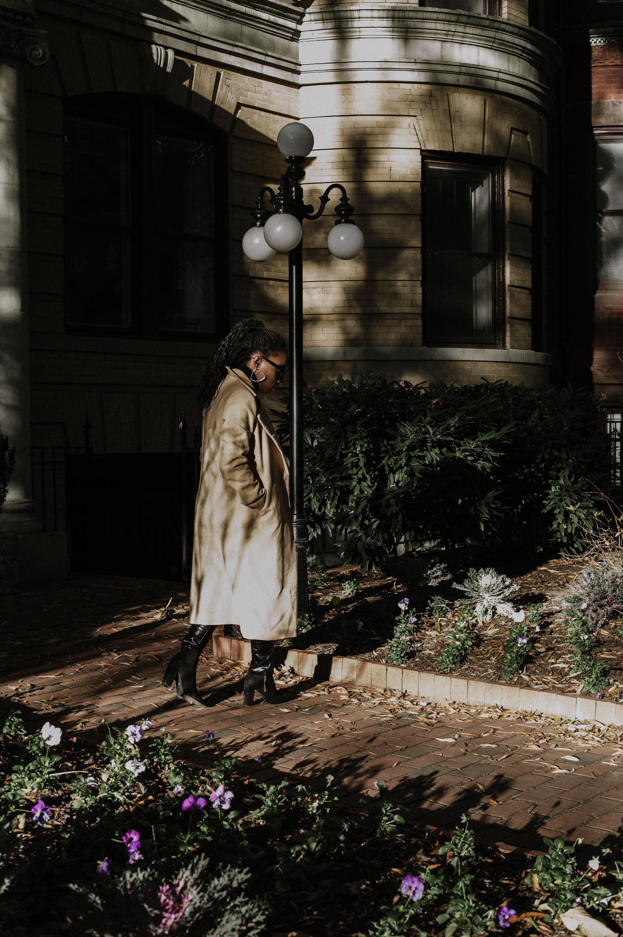 The-Glossier-Tasha-James-Fashion-Style-Blogger-DC-Winter-Coat-All-Black-11.jpg