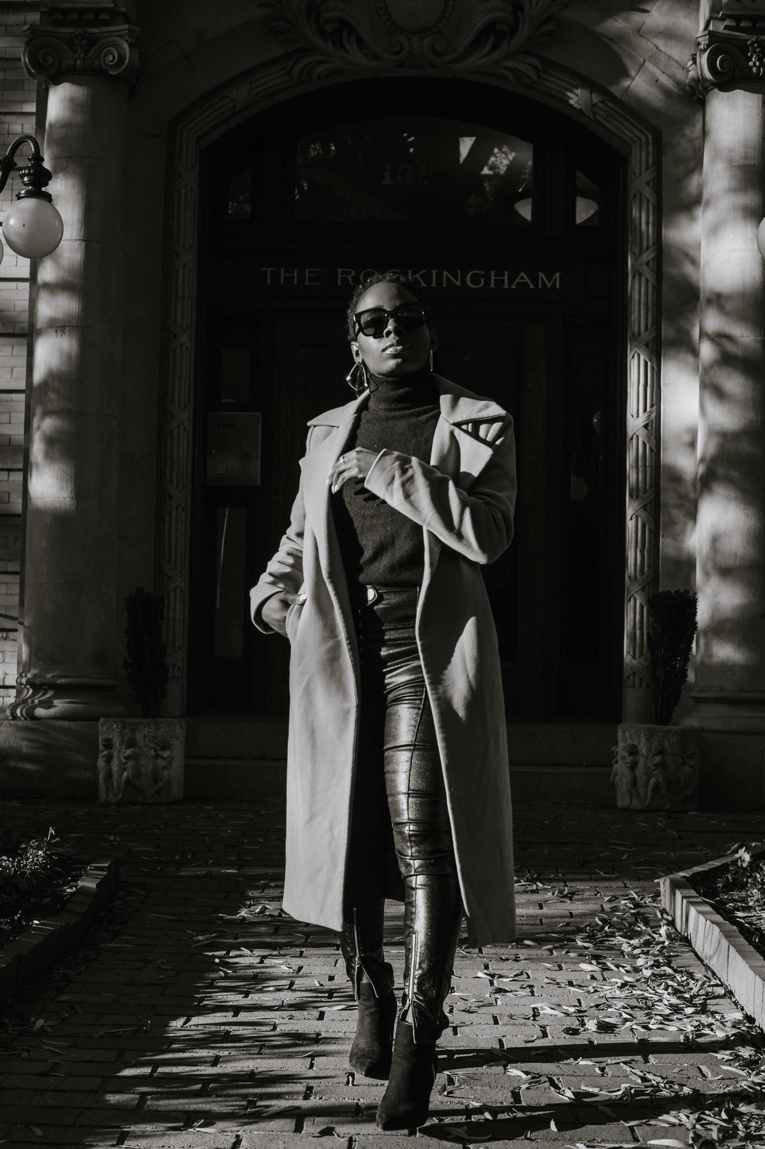 The-Glossier-Tasha-James-Fashion-Style-Blogger-DC-Winter-Coat-All-Black-19.jpg