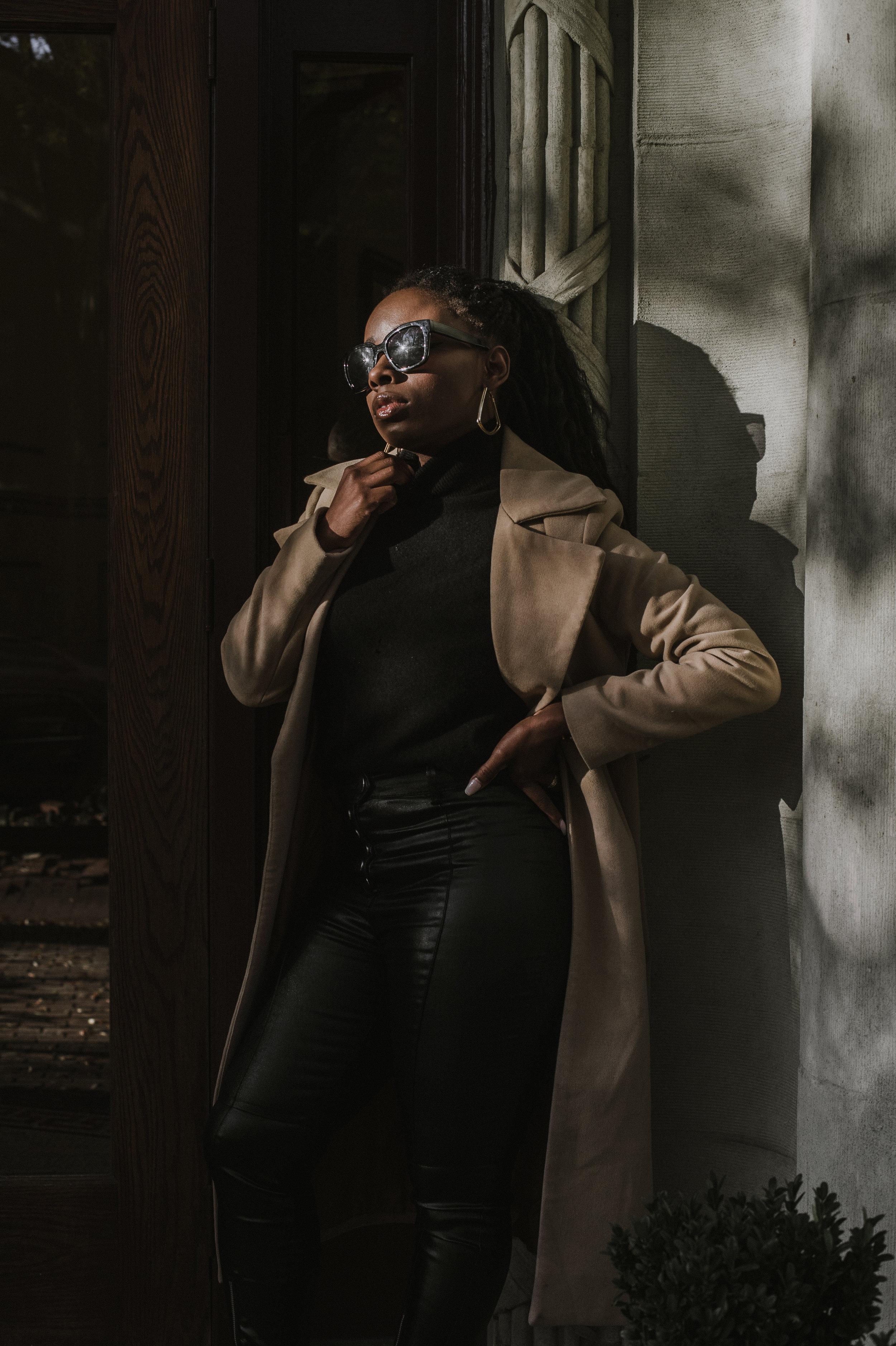 The-Glossier-Tasha-James-Fashion-Style-Blogger-DC-Winter-Coat-All-Black-30.jpg