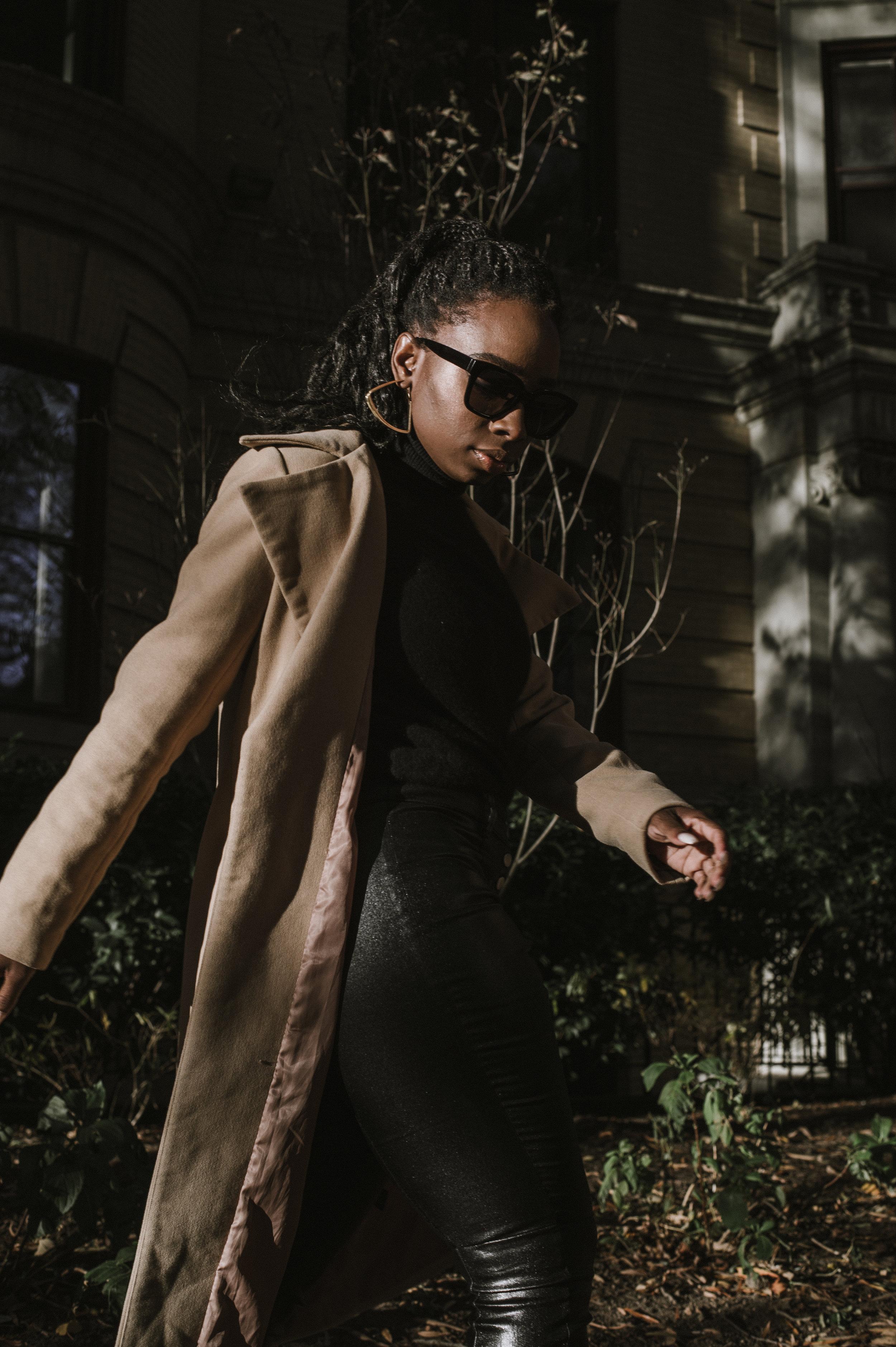 The-Glossier-Tasha-James-Fashion-Style-Blogger-DC-Winter-Coat-All-Black-36.jpg