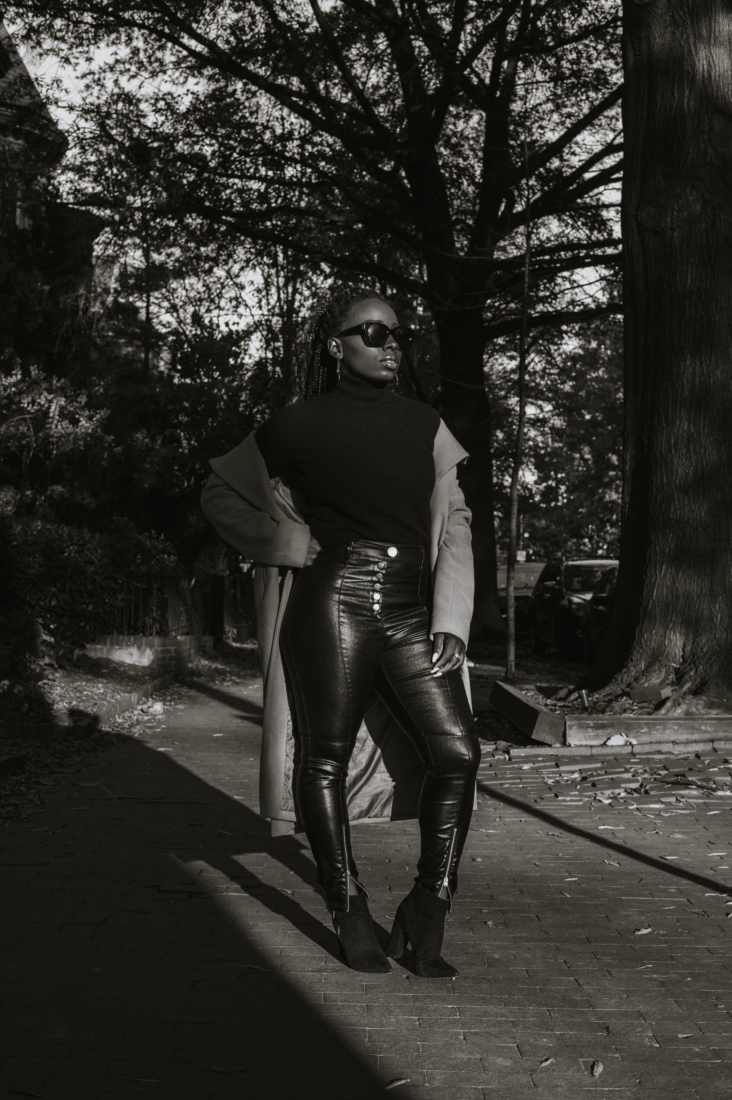 The-Glossier-Tasha-James-Fashion-Style-Blogger-DC-Winter-Coat-All-Black-33.jpg