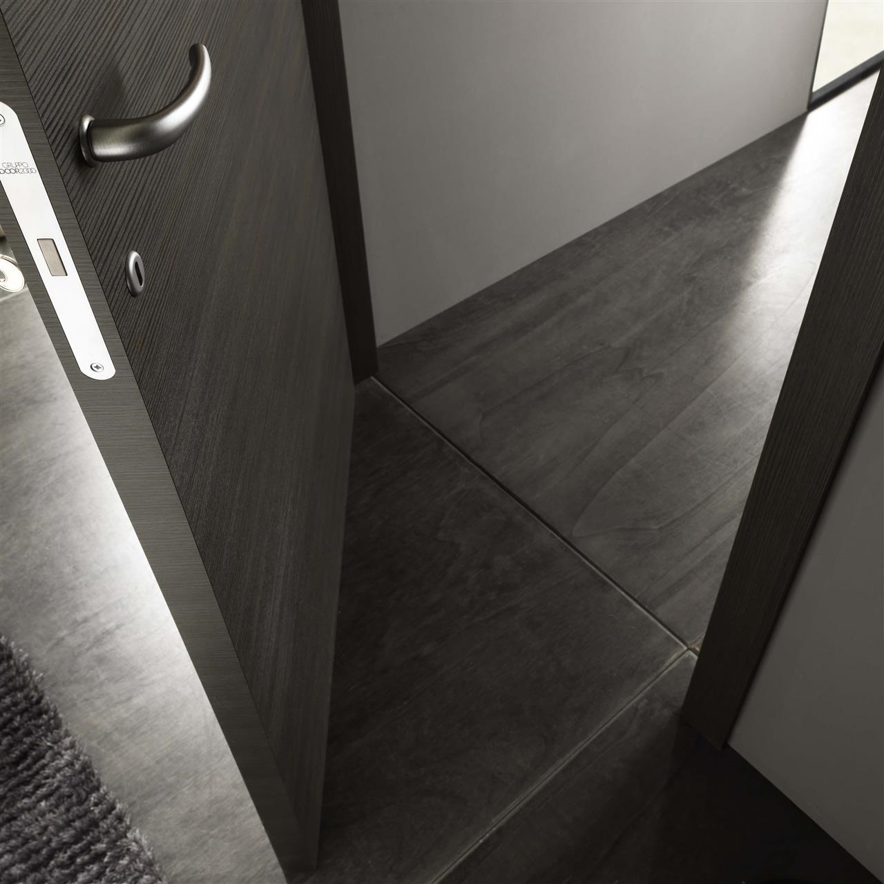 Carousel_98_Moon grigio spazzolato doorc4p3_0011.jpg