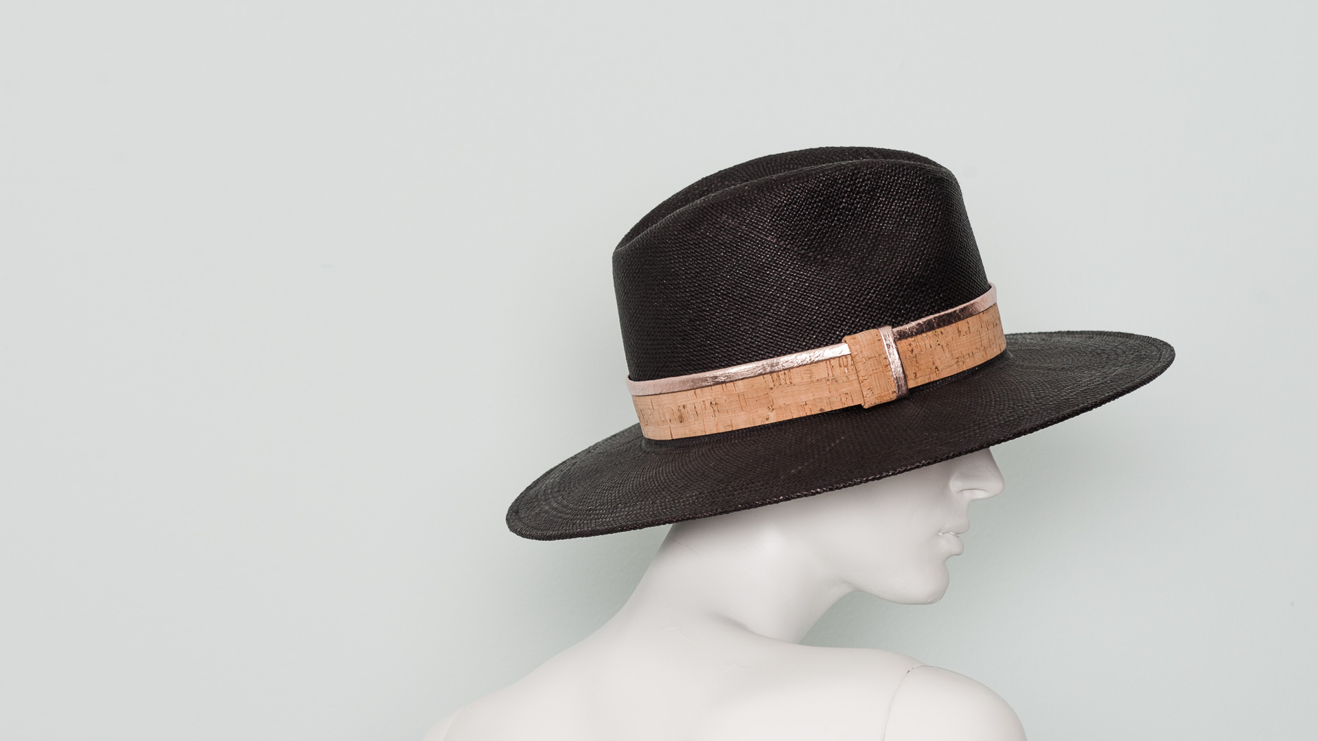 Panama gaucho with cork and leather band
