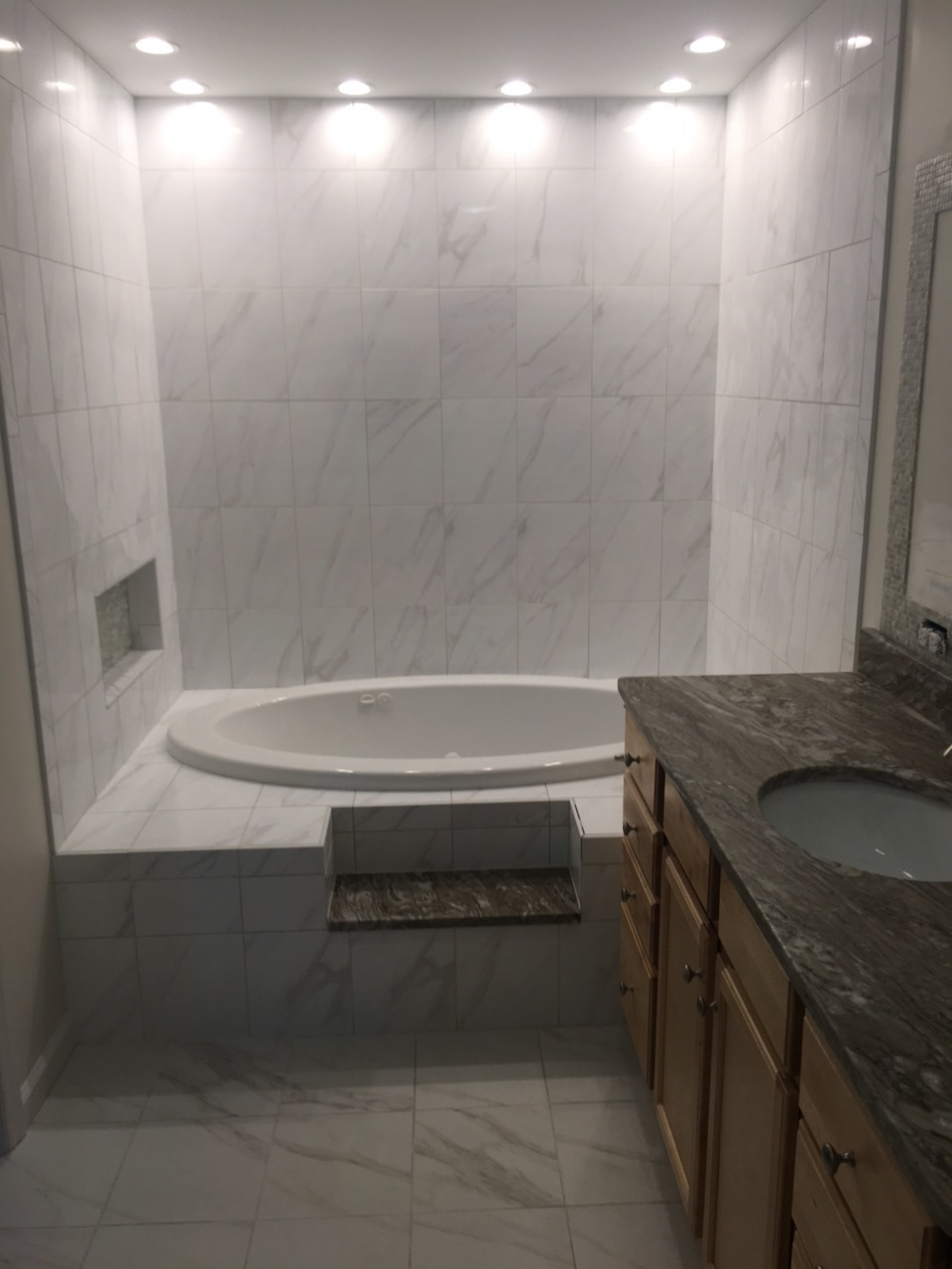 Jetted tub platform & surround