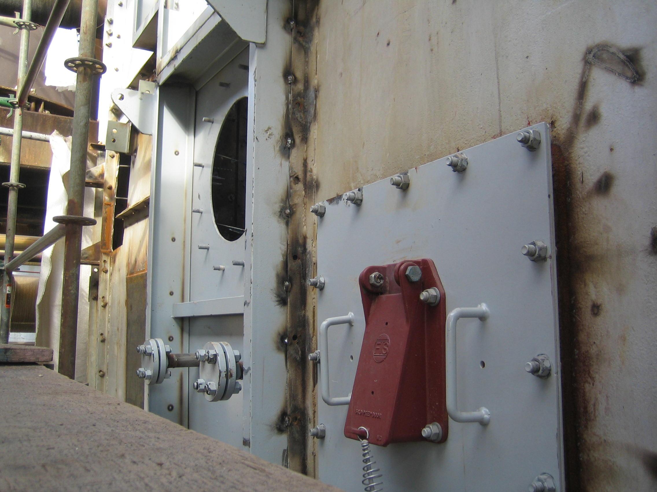Top Hinged Peep Door