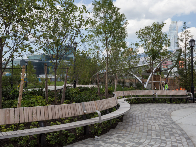 A view of Hudson Boulevard, one of the new green spaces in the area, from  CurbedNY.