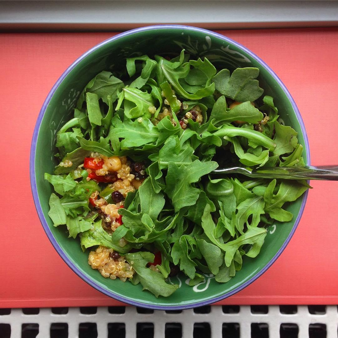 Vegan-Arugula-quinoa-salad