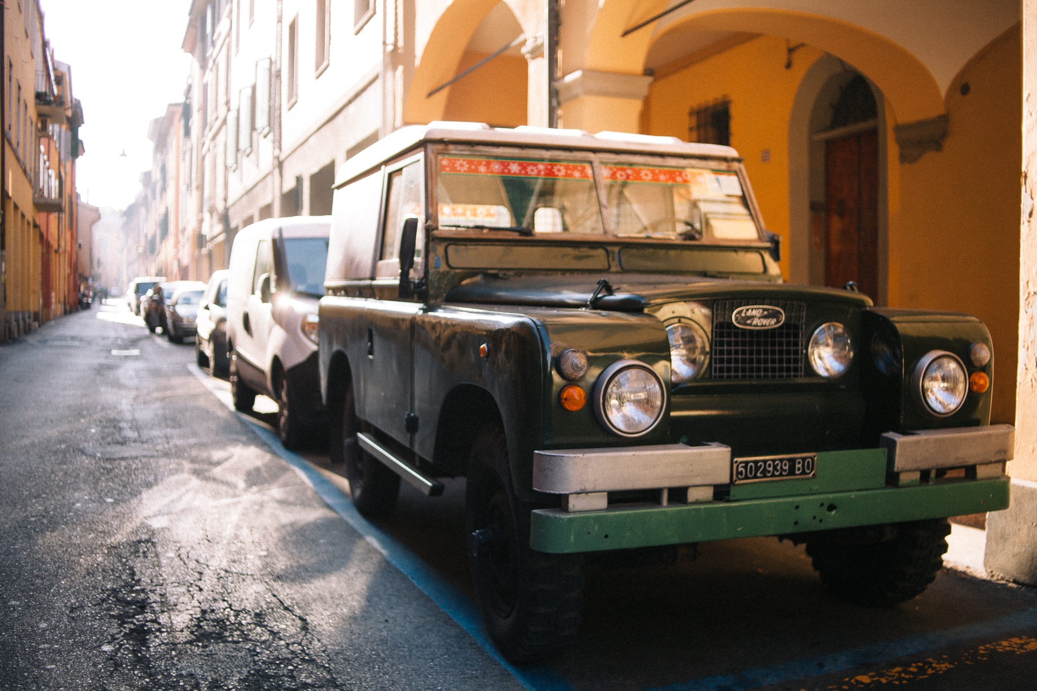 An odd Series II mashed up with some later parts. Spotted in Bologna.