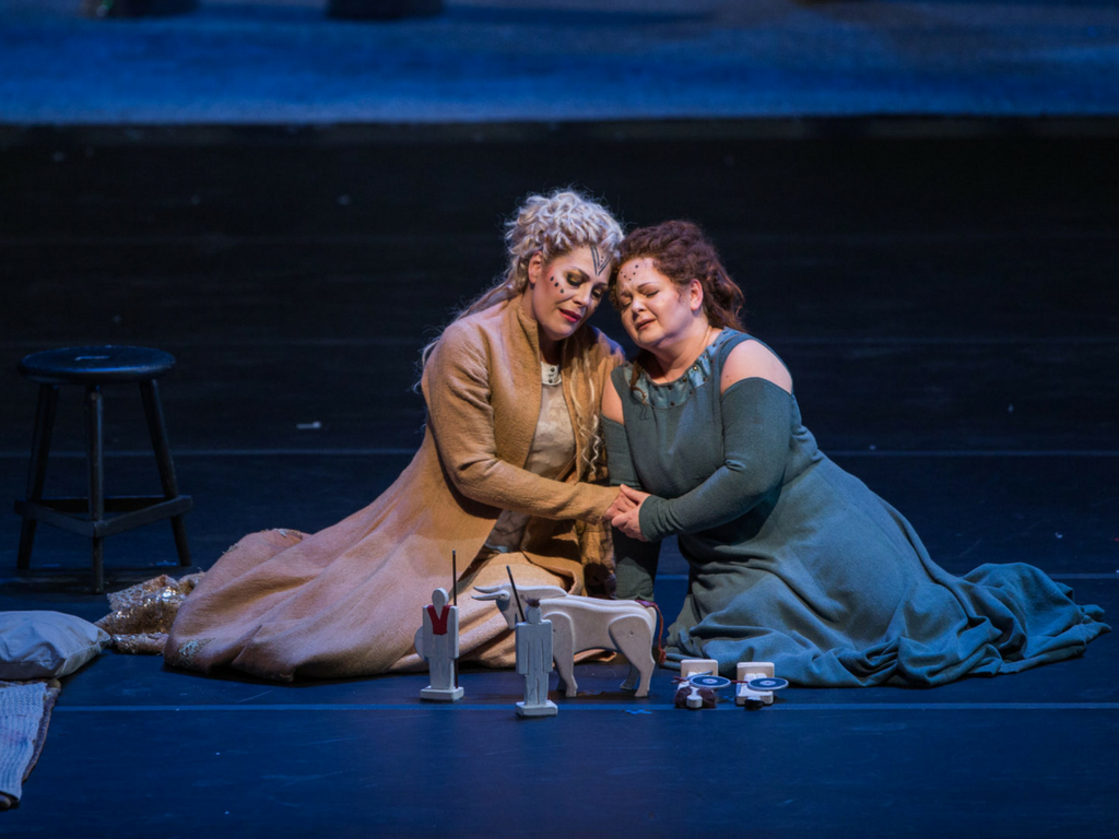 Sondra Radvanovsky and Elizabeth DeShong in  Norma . (Photo: Andrew Cioffi)