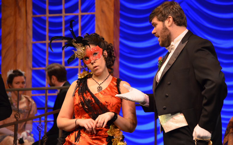 Katherine Weber and Jesse Donner in Die Fledermaus. Photo courtesy of New Philharmonic.