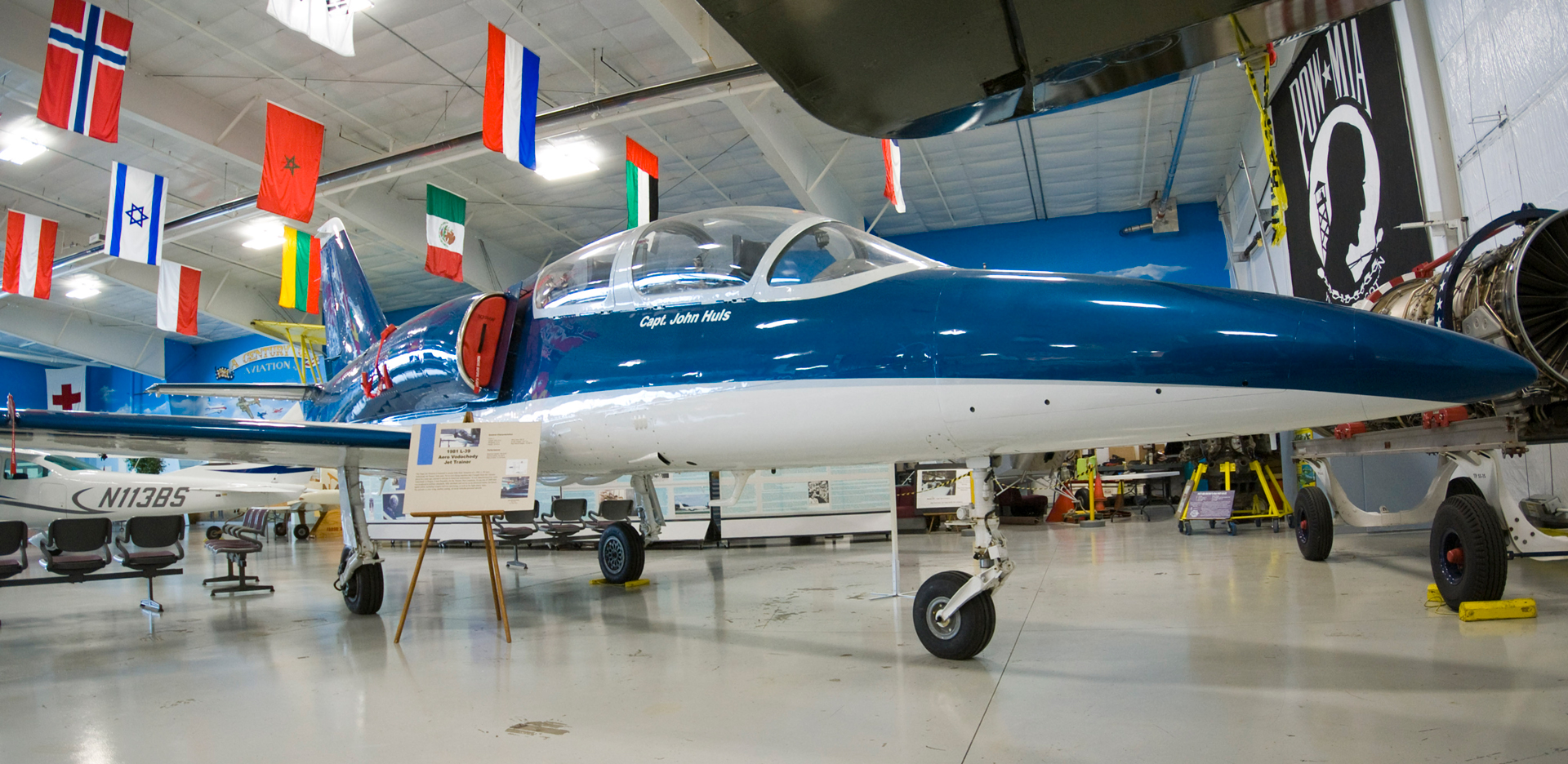 81-L-29-Aero-Vodochody.jpg