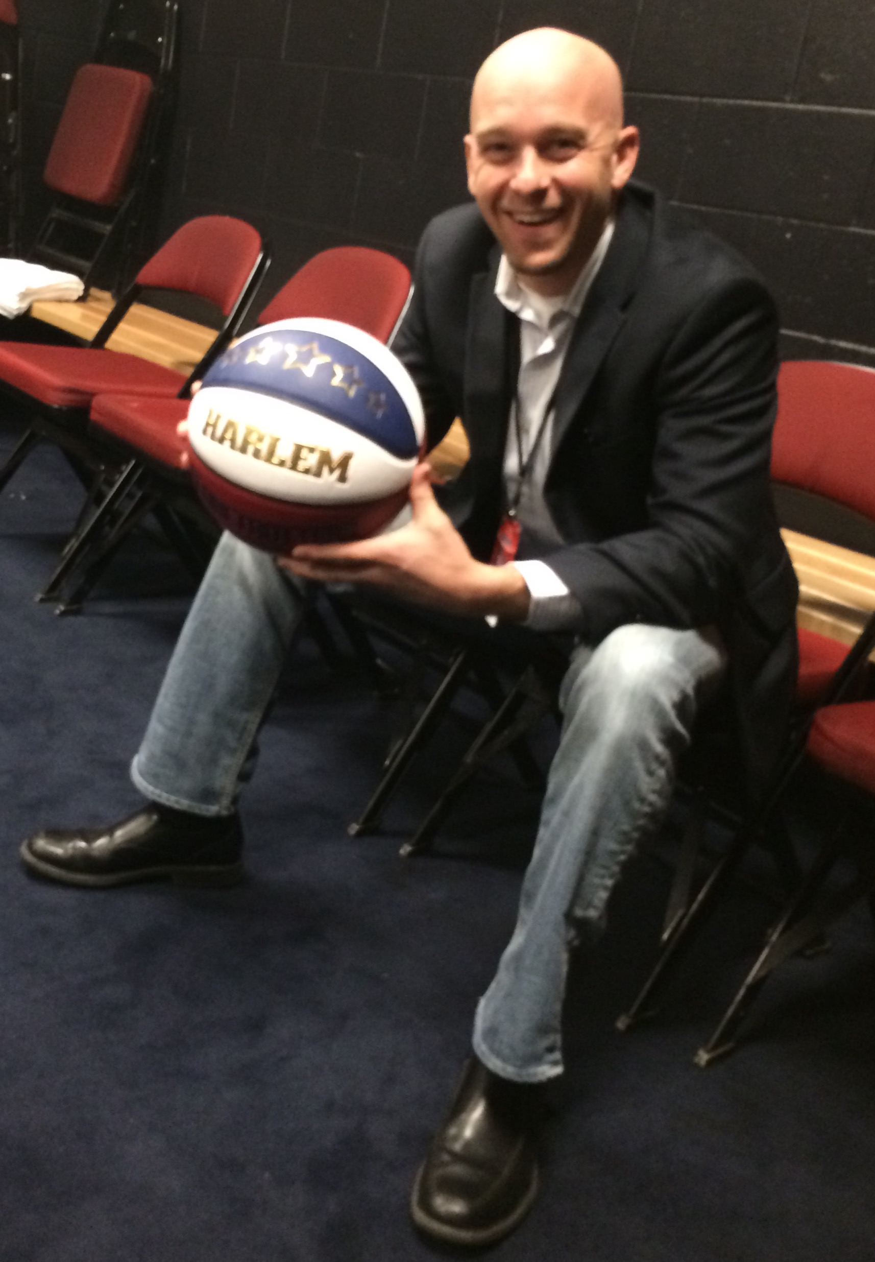 Zoltan with Globetrotters Ball.jpg