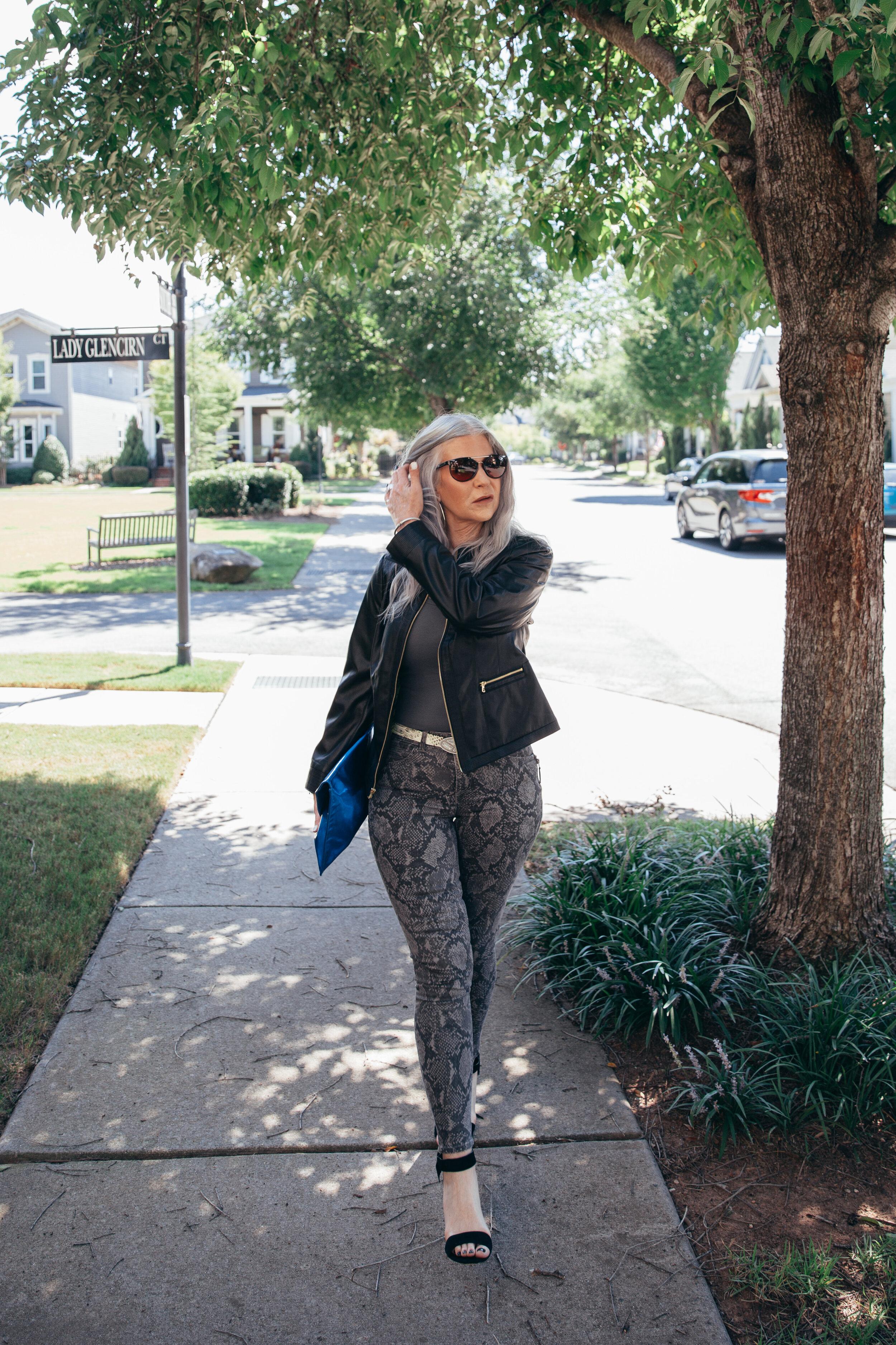 Lisa snake pants 2019-60.jpg