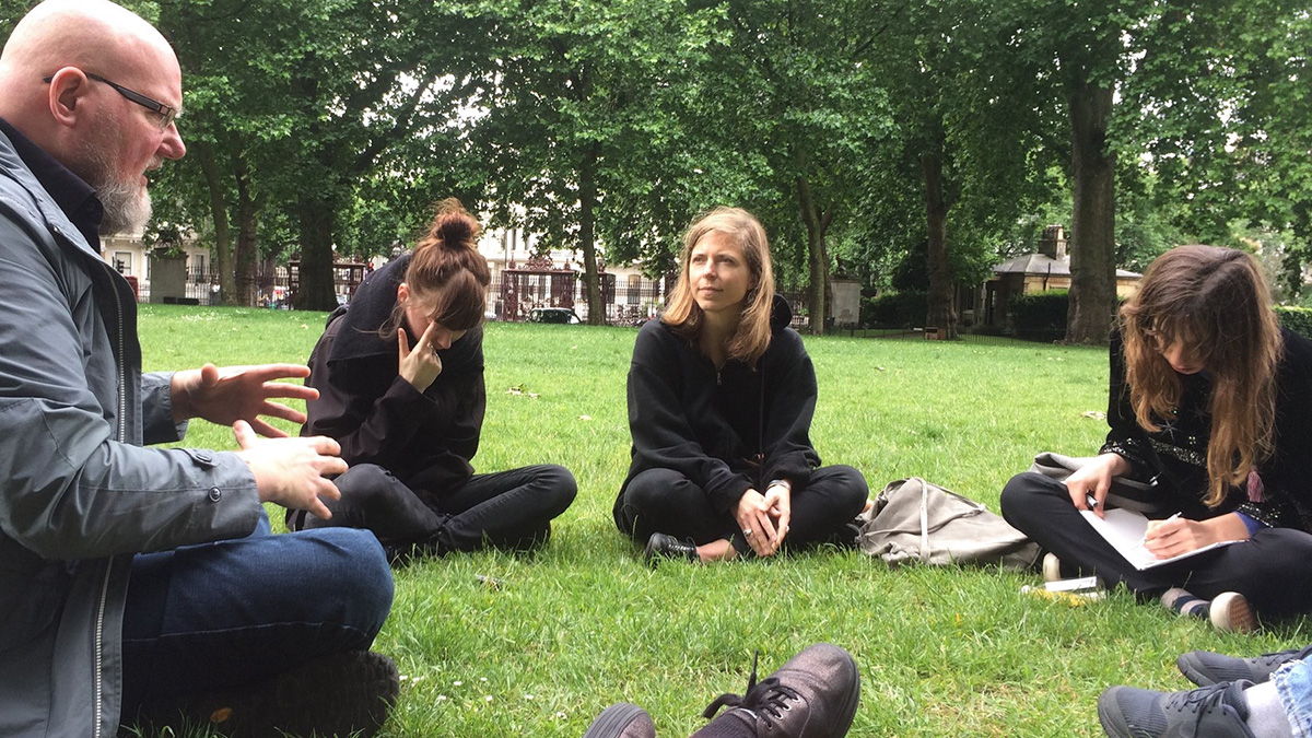 MOPS Director John Kannenberg leads a seminar with MA students at the Royal College of Art in Hyde Park, London.