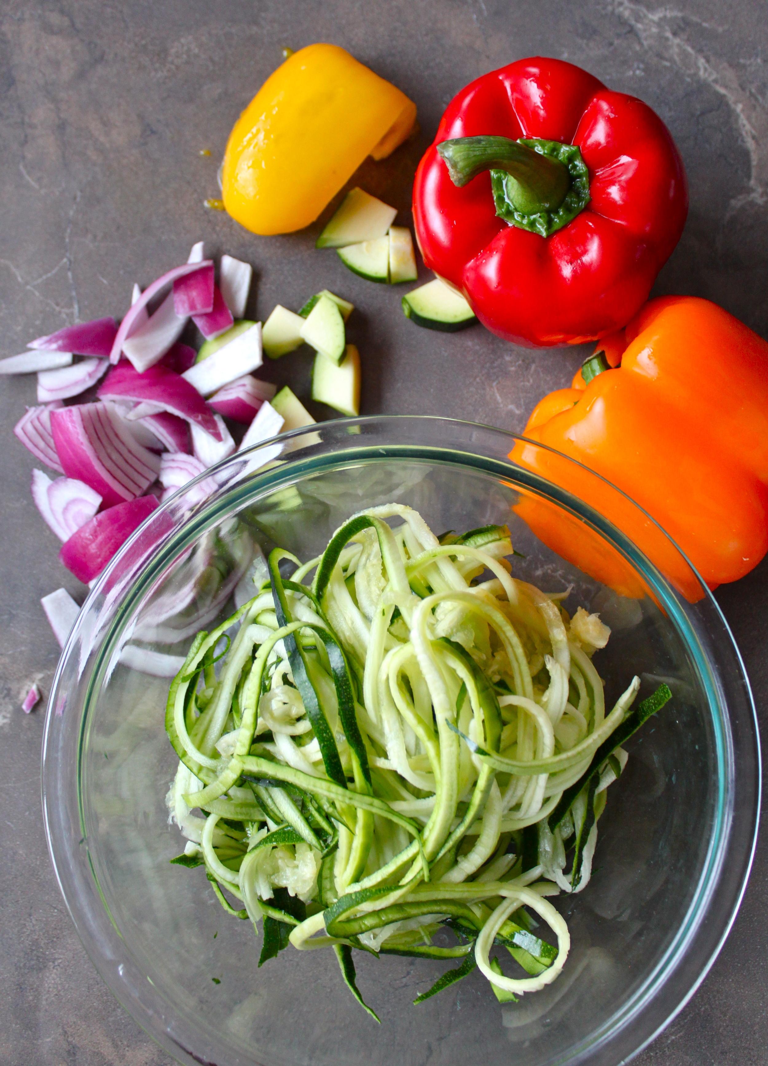 hot sesame zucchini noodles_1.jpg