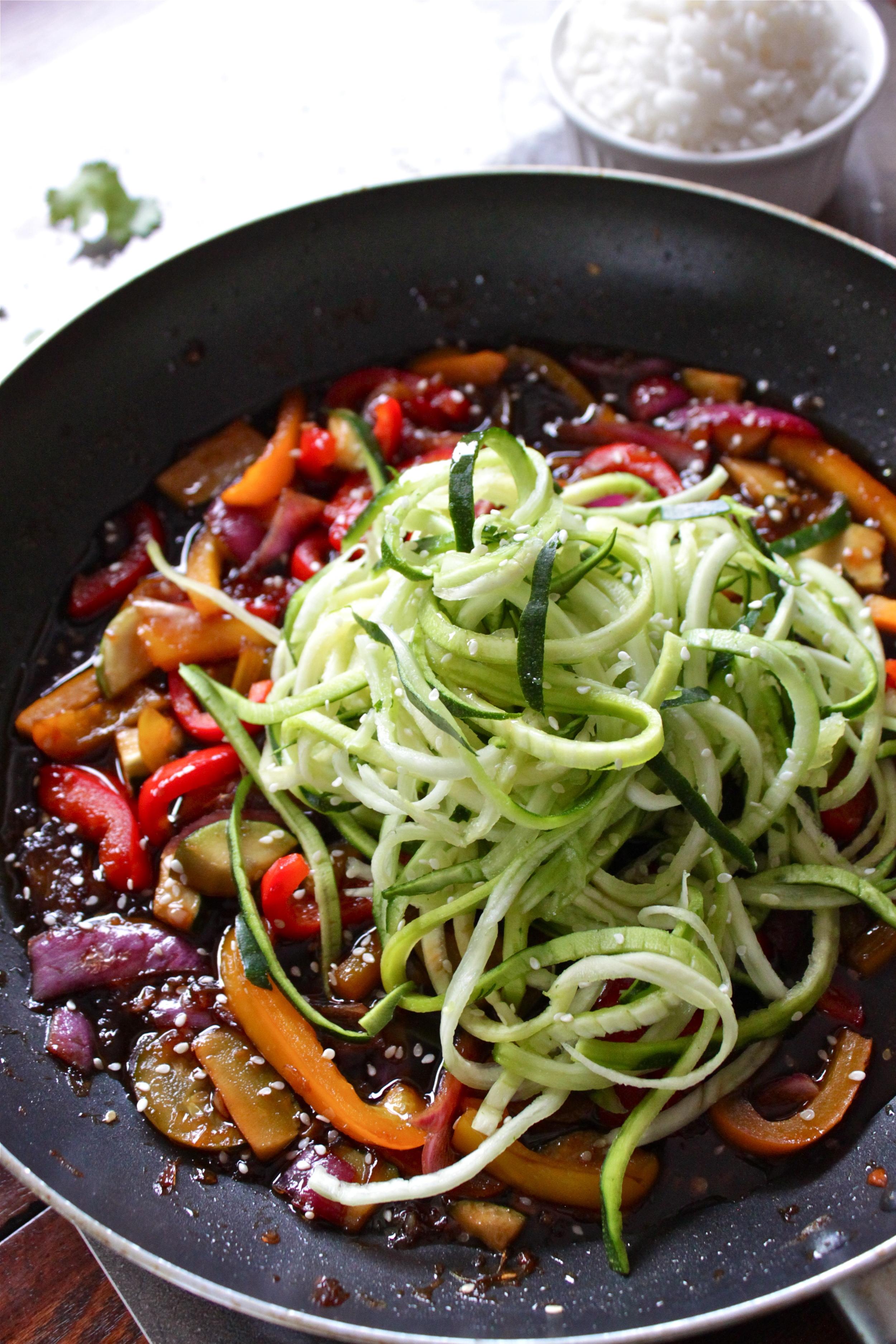 hot sesame zucchini noodles_12.jpg