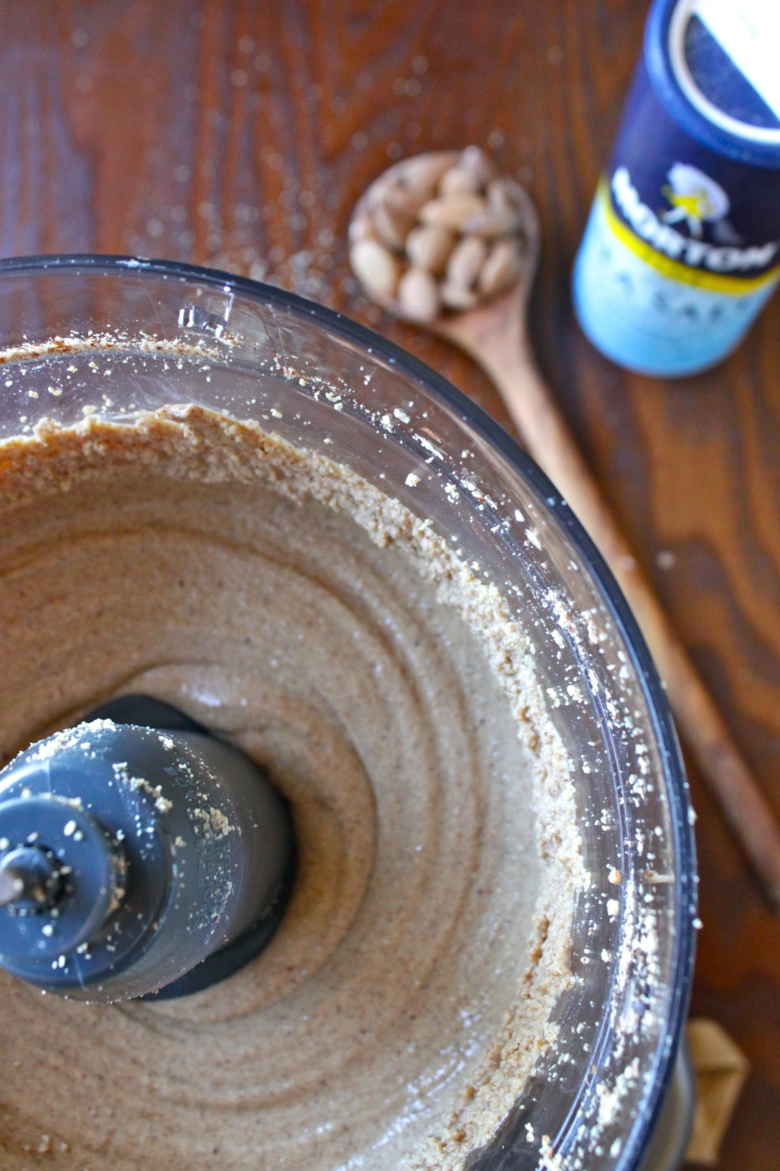 almond butter_10.jpg