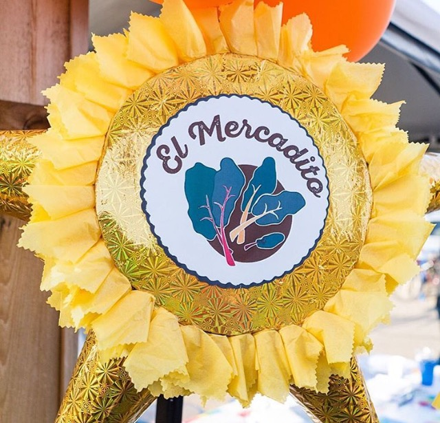 Portland-Mercado_El-Mercadito_Pinata-Sign