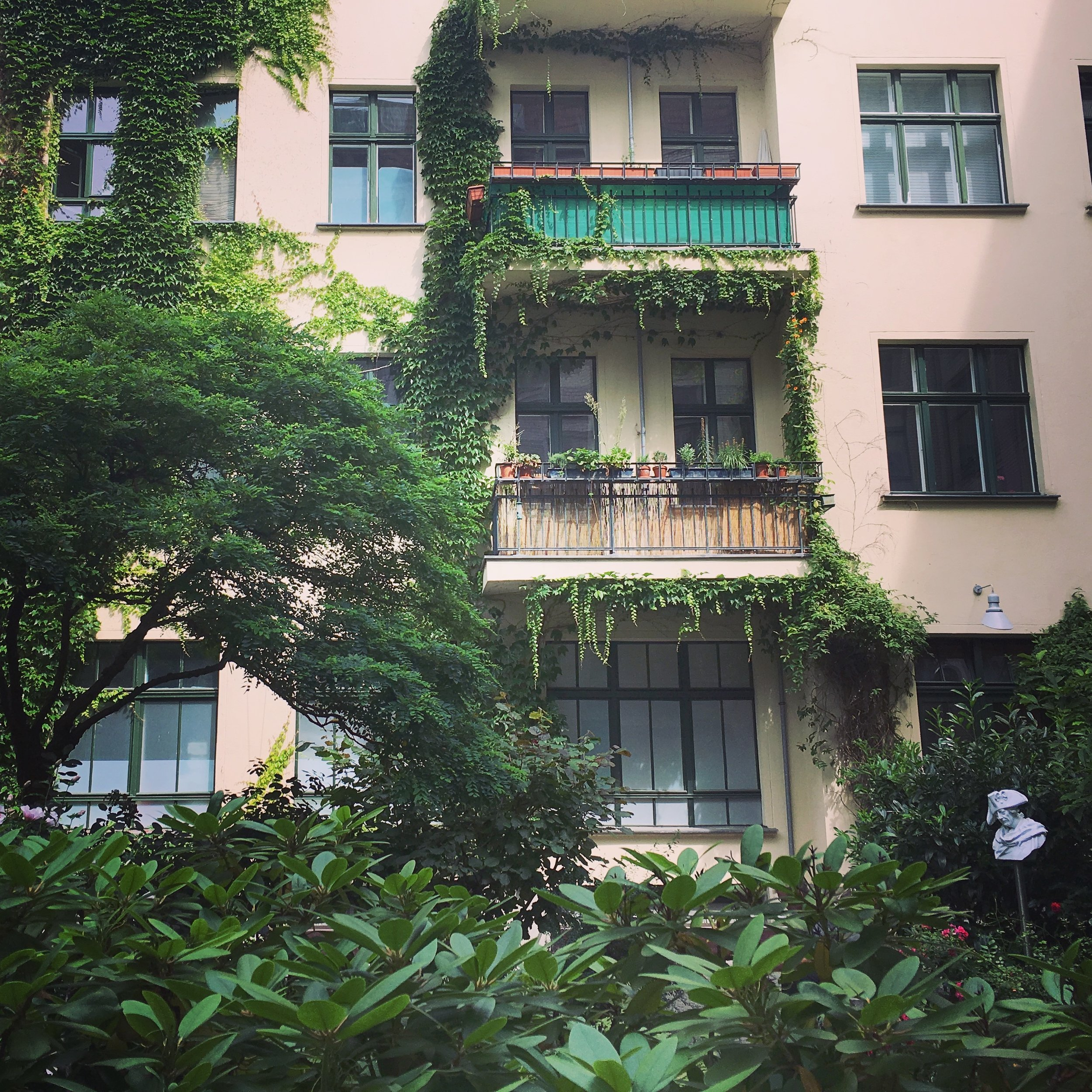 Hackesche-Hoefe-Wohnungen-Berlin