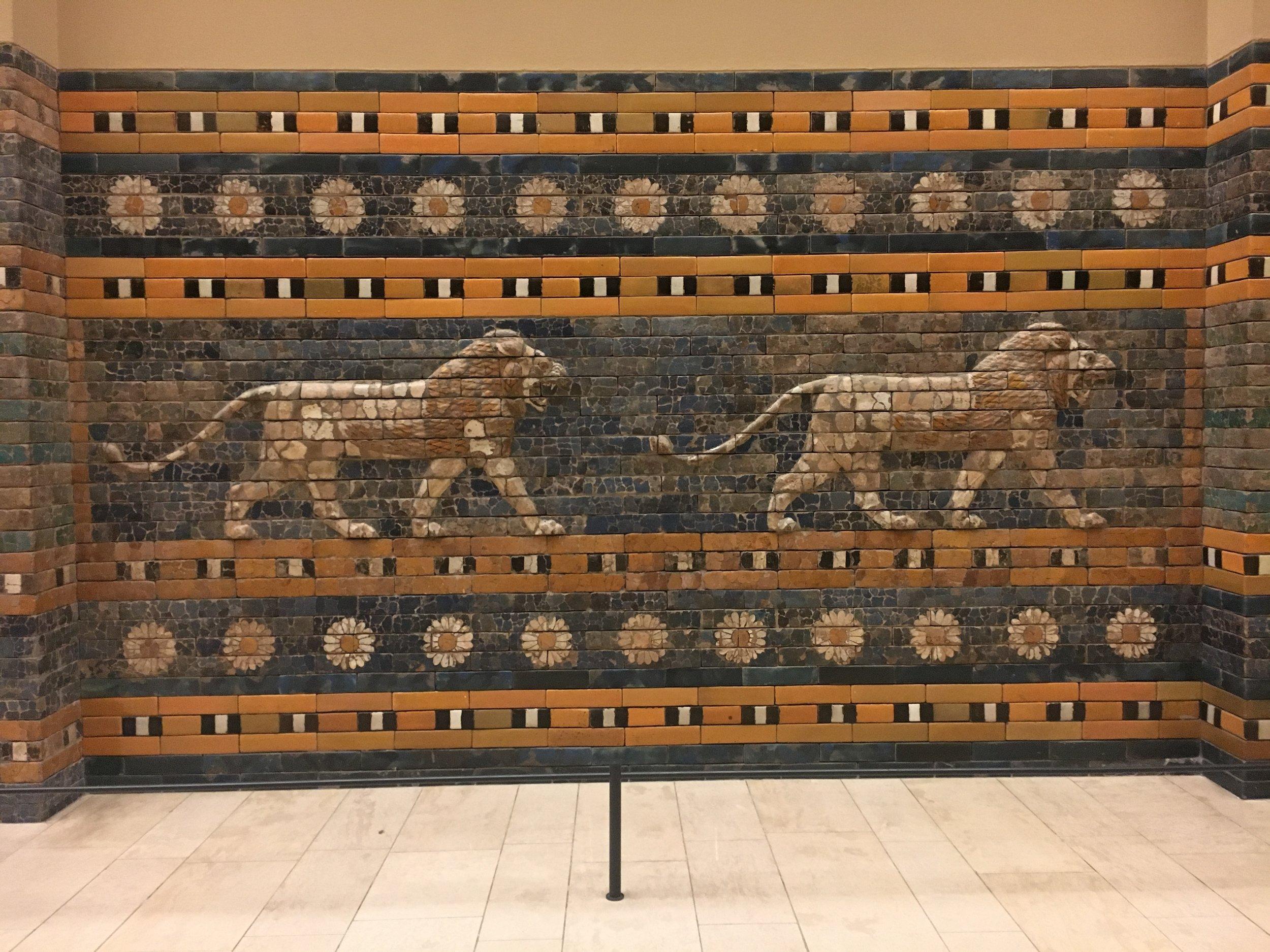 Pergamon-Museum_Ishtar-Gate_Lion-detail