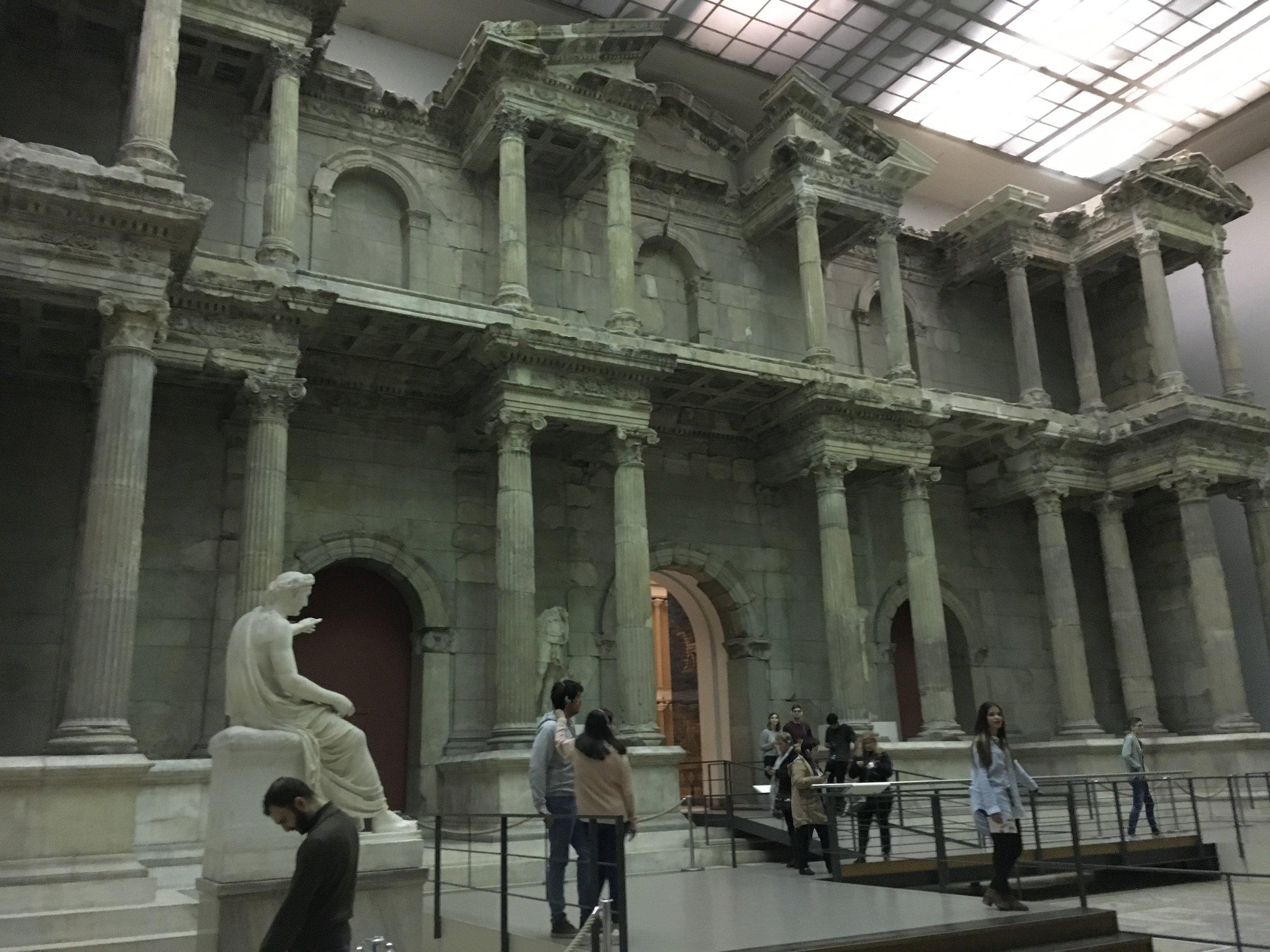 Pergamon-Museum_Market-Gate-of-Miletus-1
