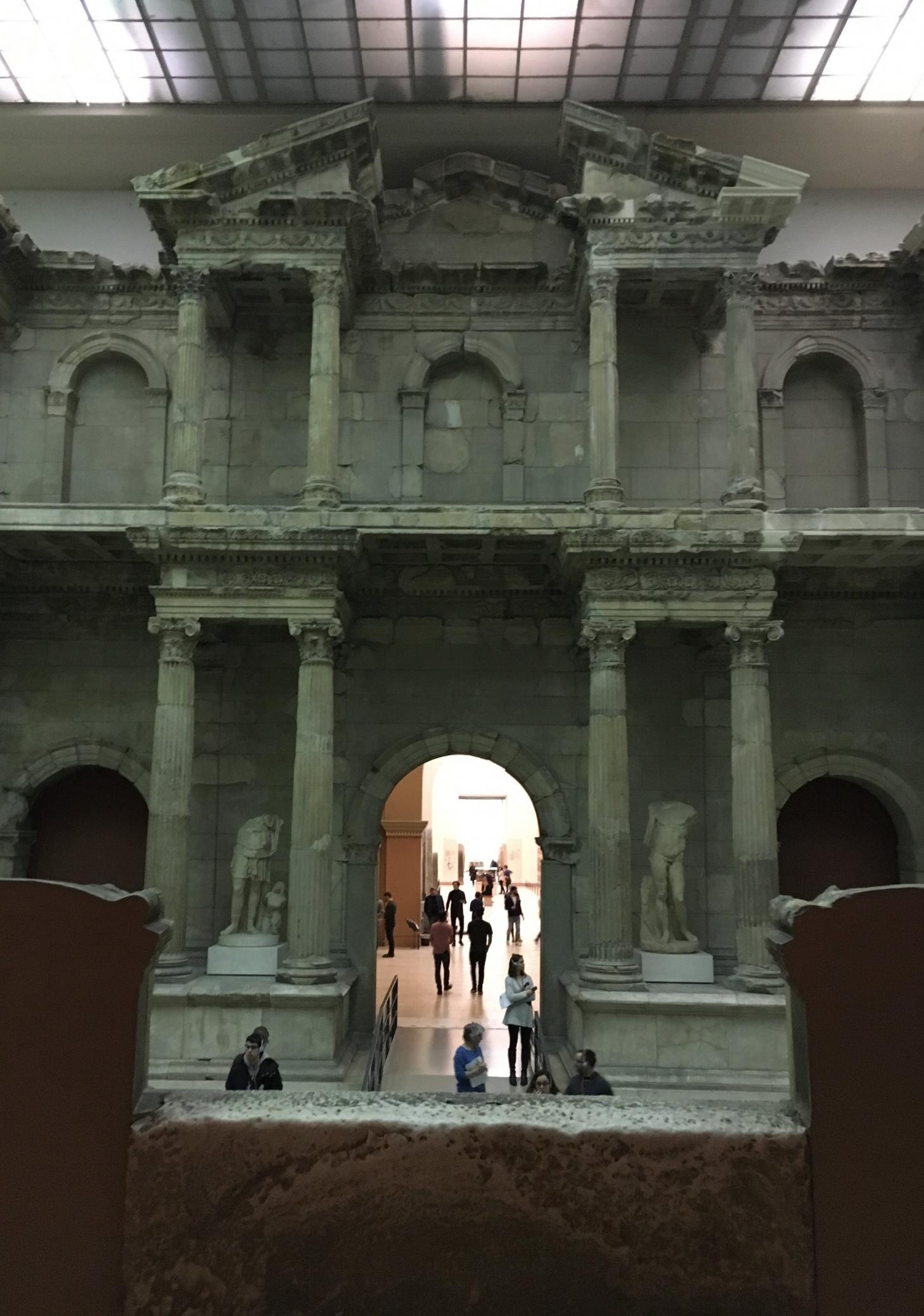 Pergamon-Museum_Miletus-Gate_Overview