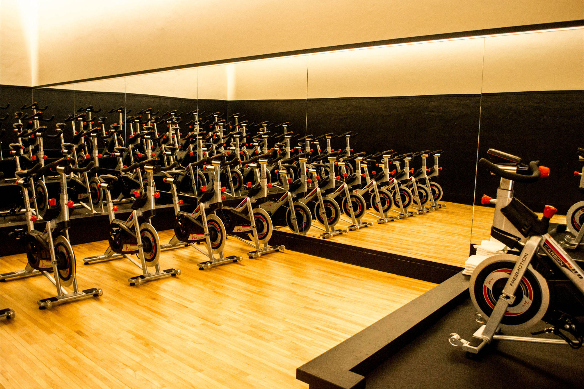 Group Fitness Classes Saint Paul Athletic Club Cycle Biking Bike
