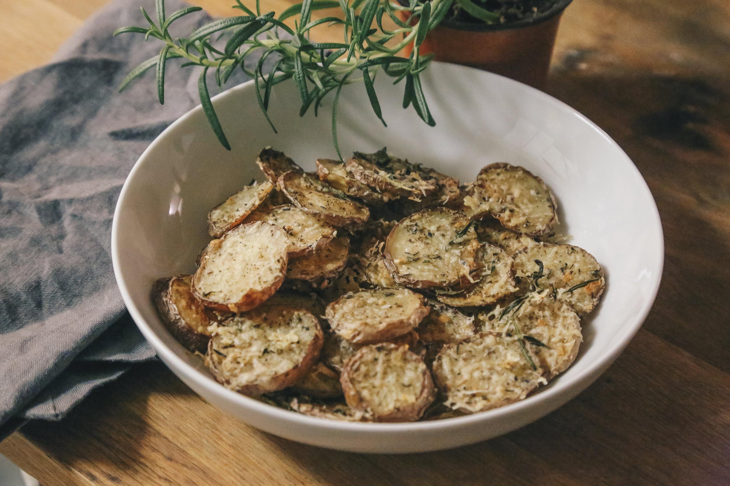 oven roasted herb potatoes -7.jpg