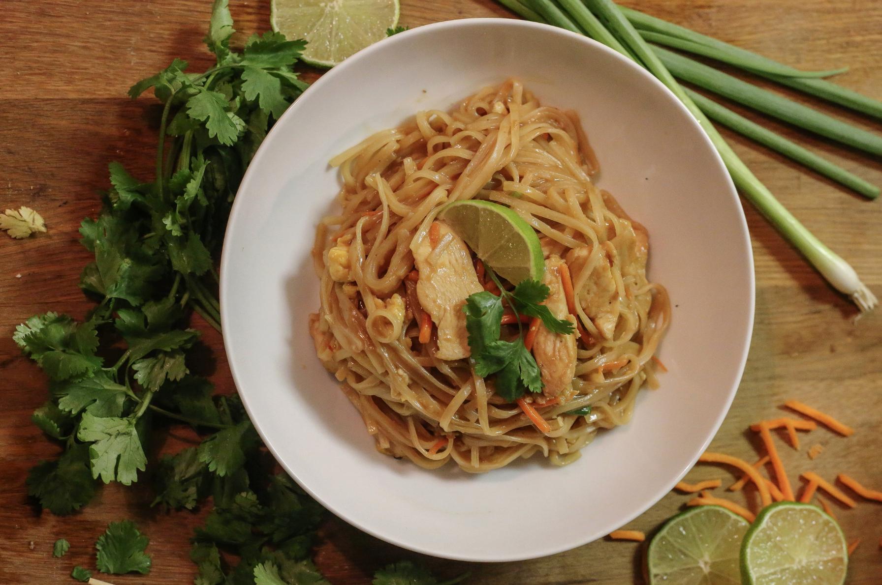 Restaurant Style Chicken pad thai